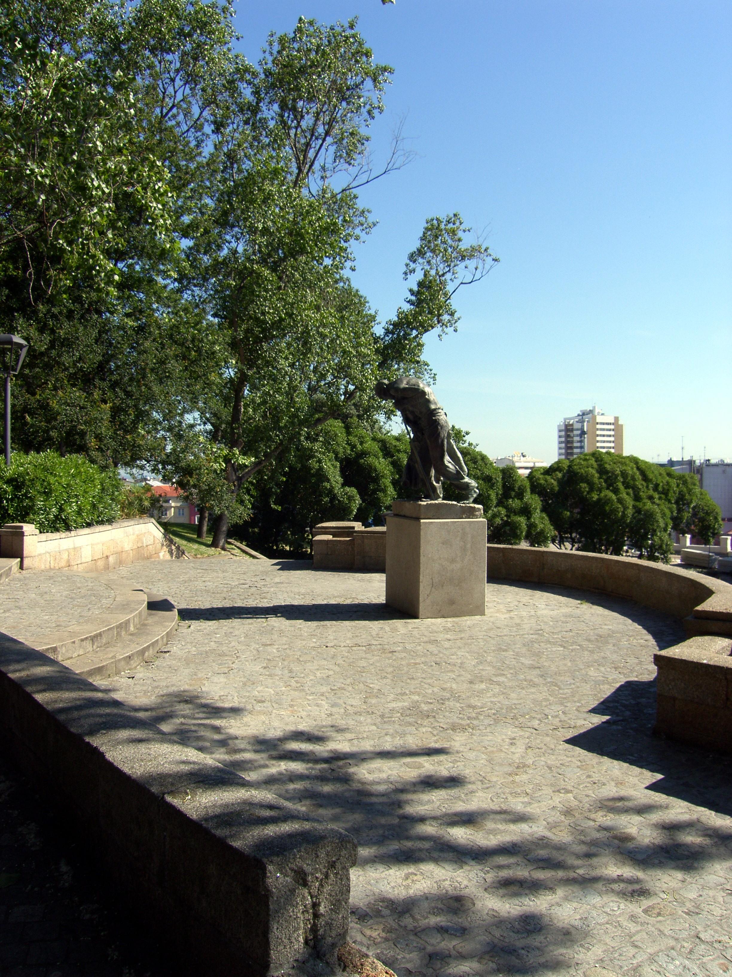 Landschaft Baum Zuhause Gehweg Hinterhof Garten Denkmal La Hof Stadtplatz  Immobilien Garten Ggl1 Coru Agaliciaspainscenery