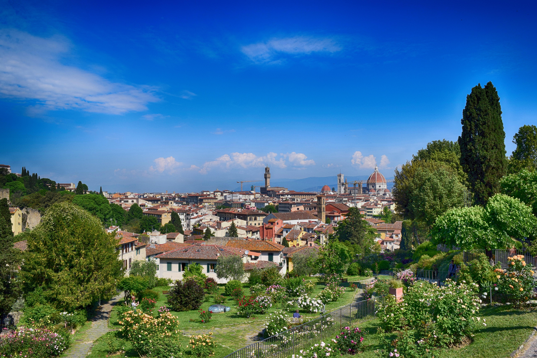Images gratuites paysage arbre montagne ciel colline for Paysage de ville