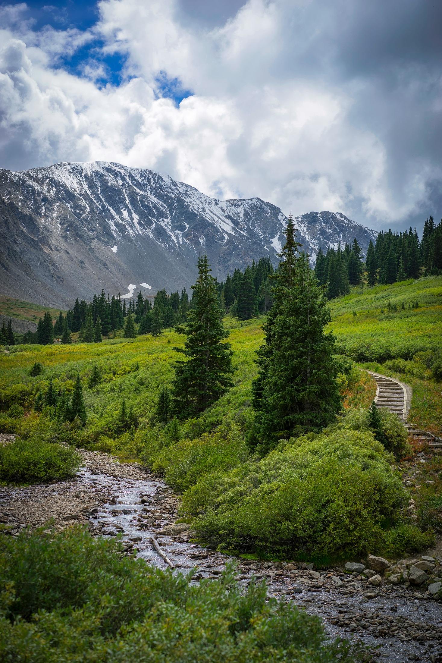 550 Gambar Pemandangan Gunung Yang Indah HD Terbaik