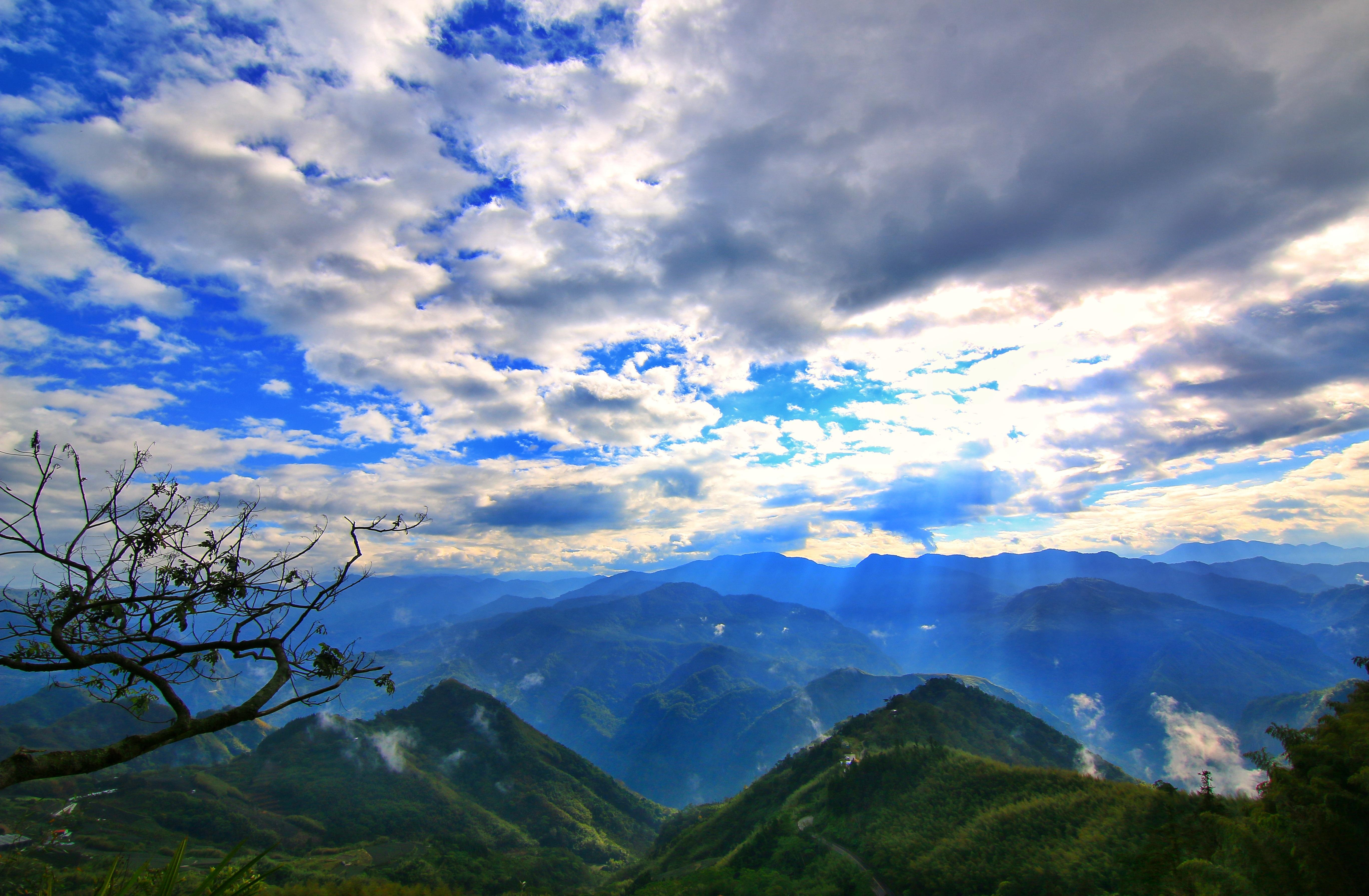 красивые картинки гор с облаками представленные этой странице