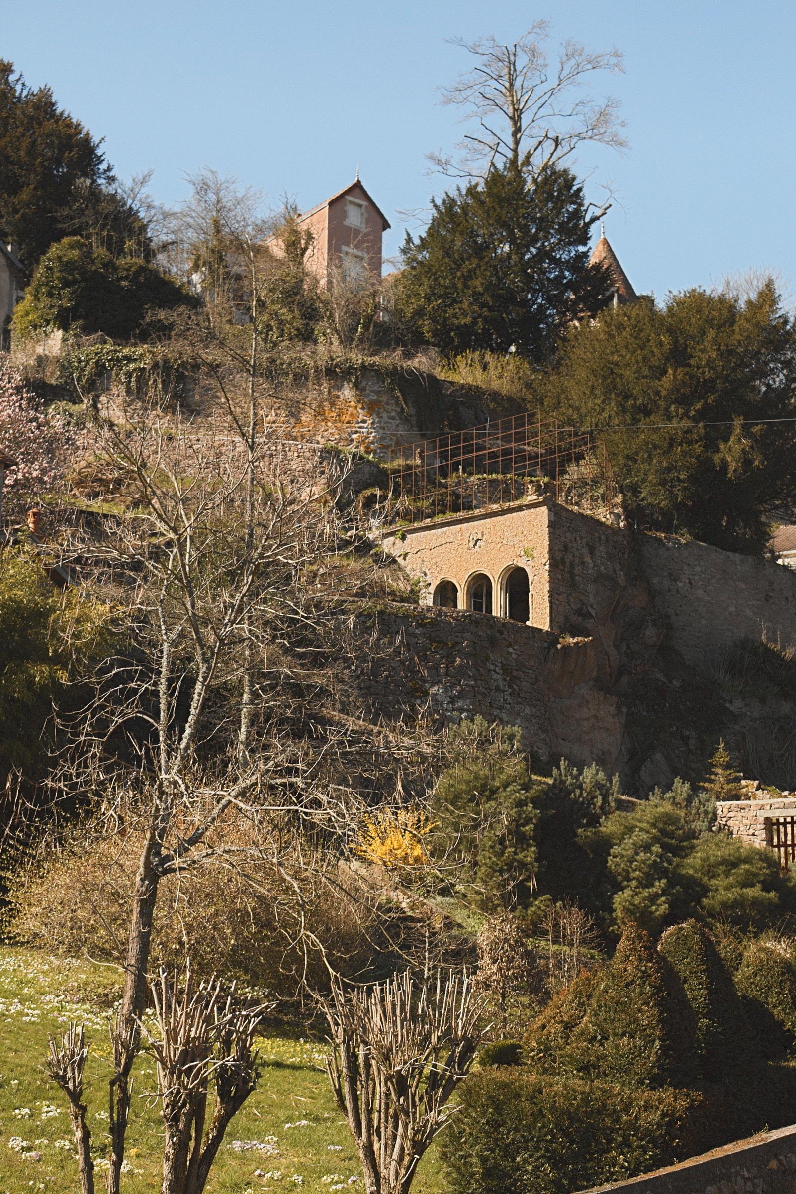 paysage arbre ciel chteau ville village france lautomne bleu ruines pittoresque site zone rurale - Arbre Ciel