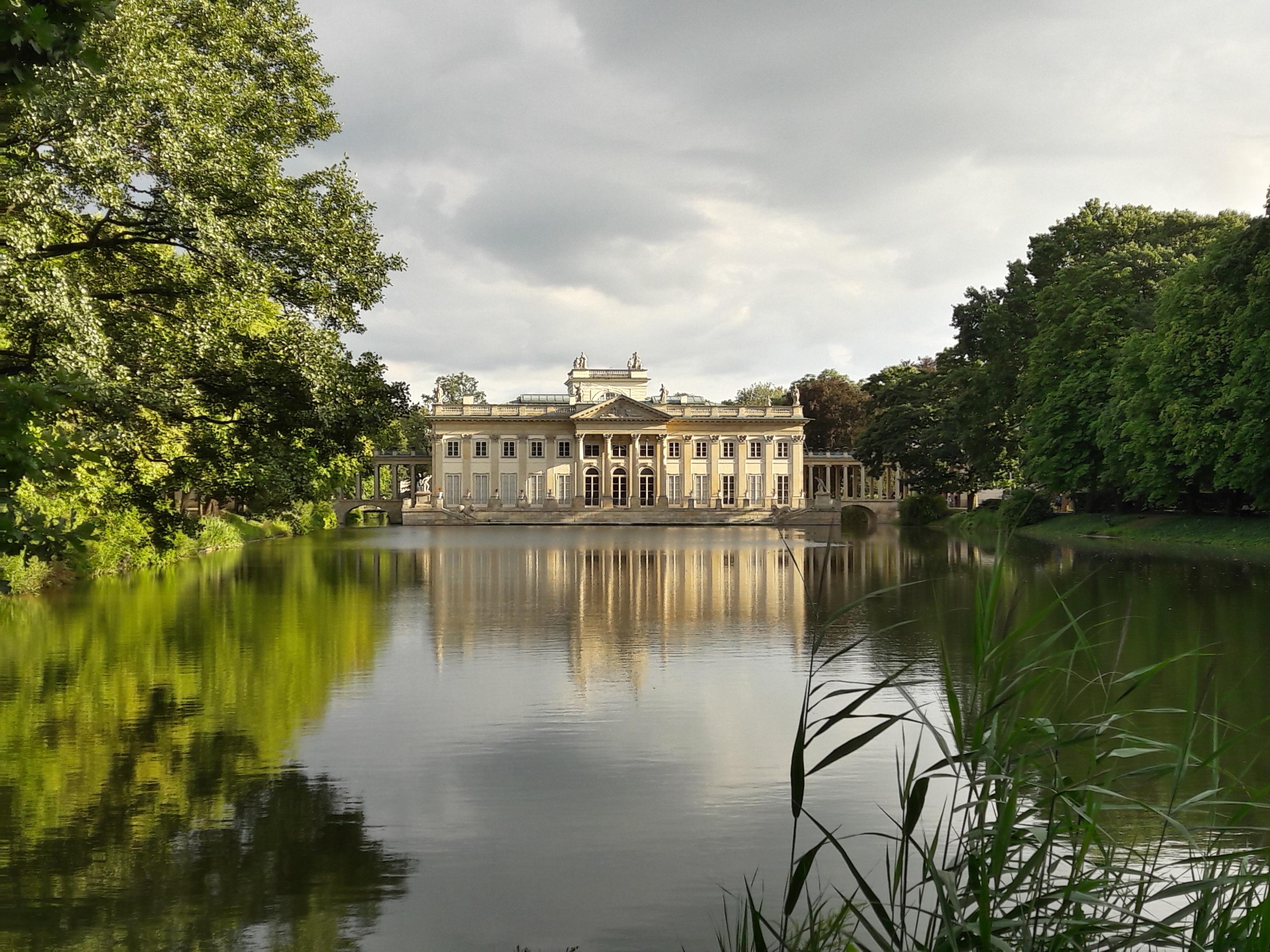 Fotos gratis paisaje rbol naturaleza lago castillo for Estanque reflectante