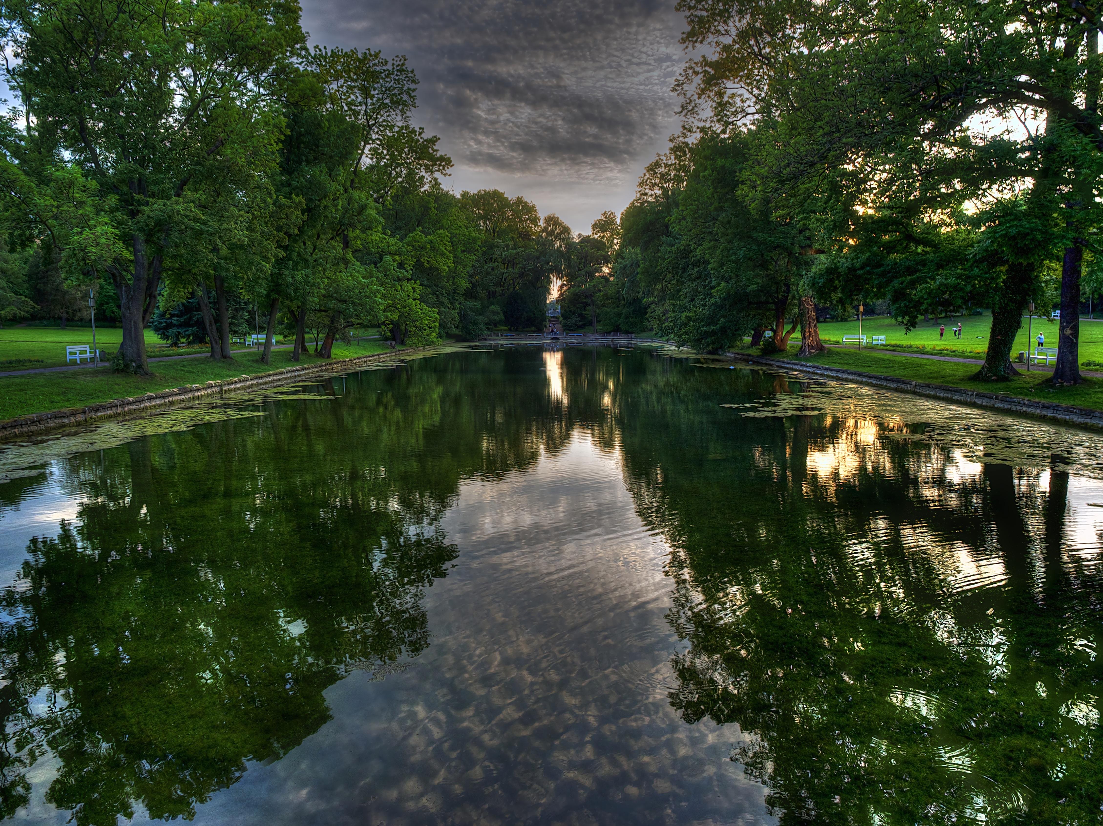 Fotos gratis paisaje rbol naturaleza cielo puesta for Estanque reflectante