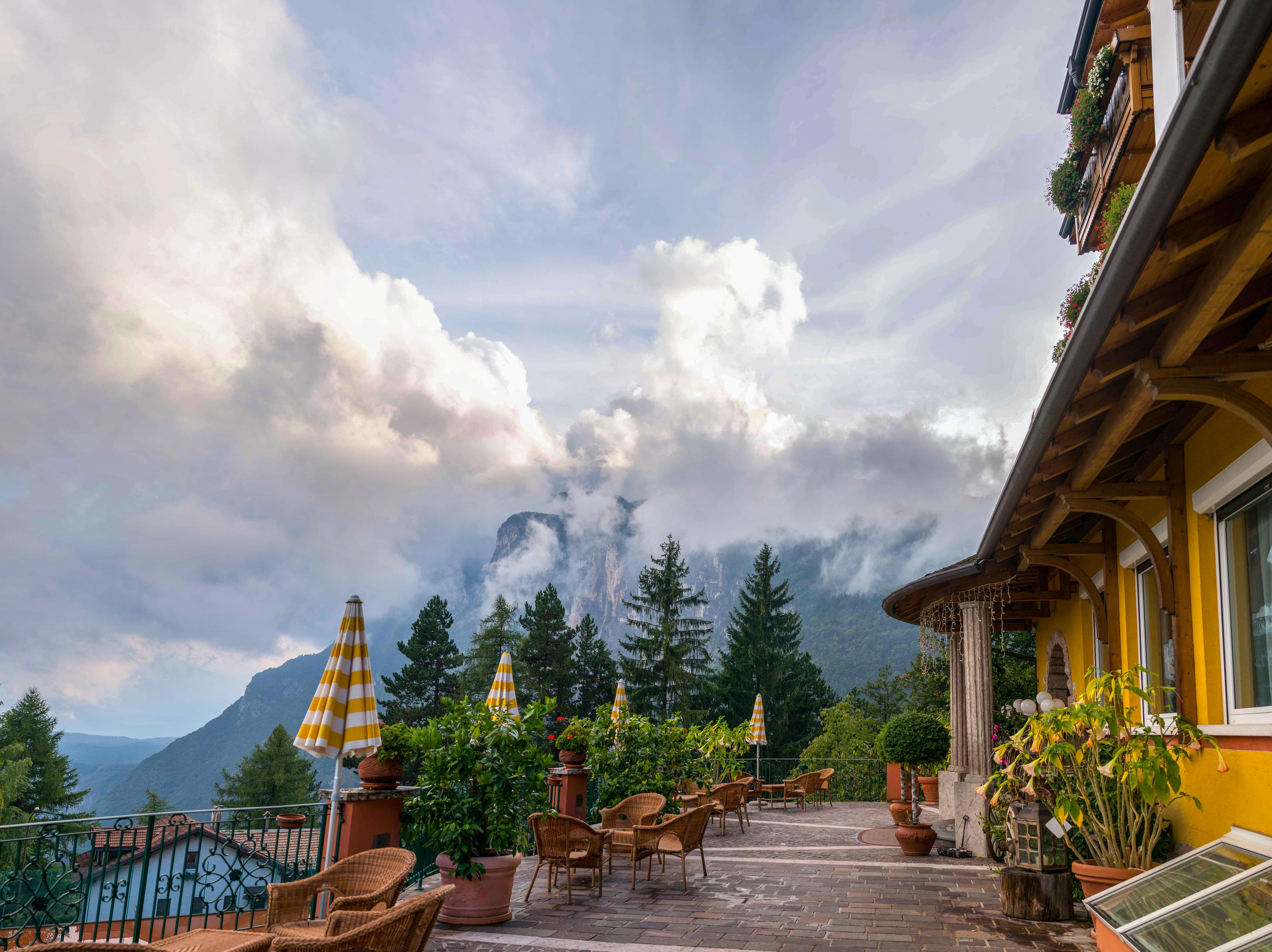 kostenlose foto landschaft aussicht ferien wahrzeichen italien alpin tourismus. Black Bedroom Furniture Sets. Home Design Ideas