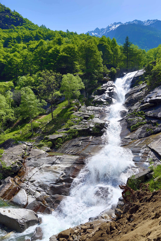 Gambar Pemandangan Alam Hutan Outdoor Batu Air Terjun Gurun