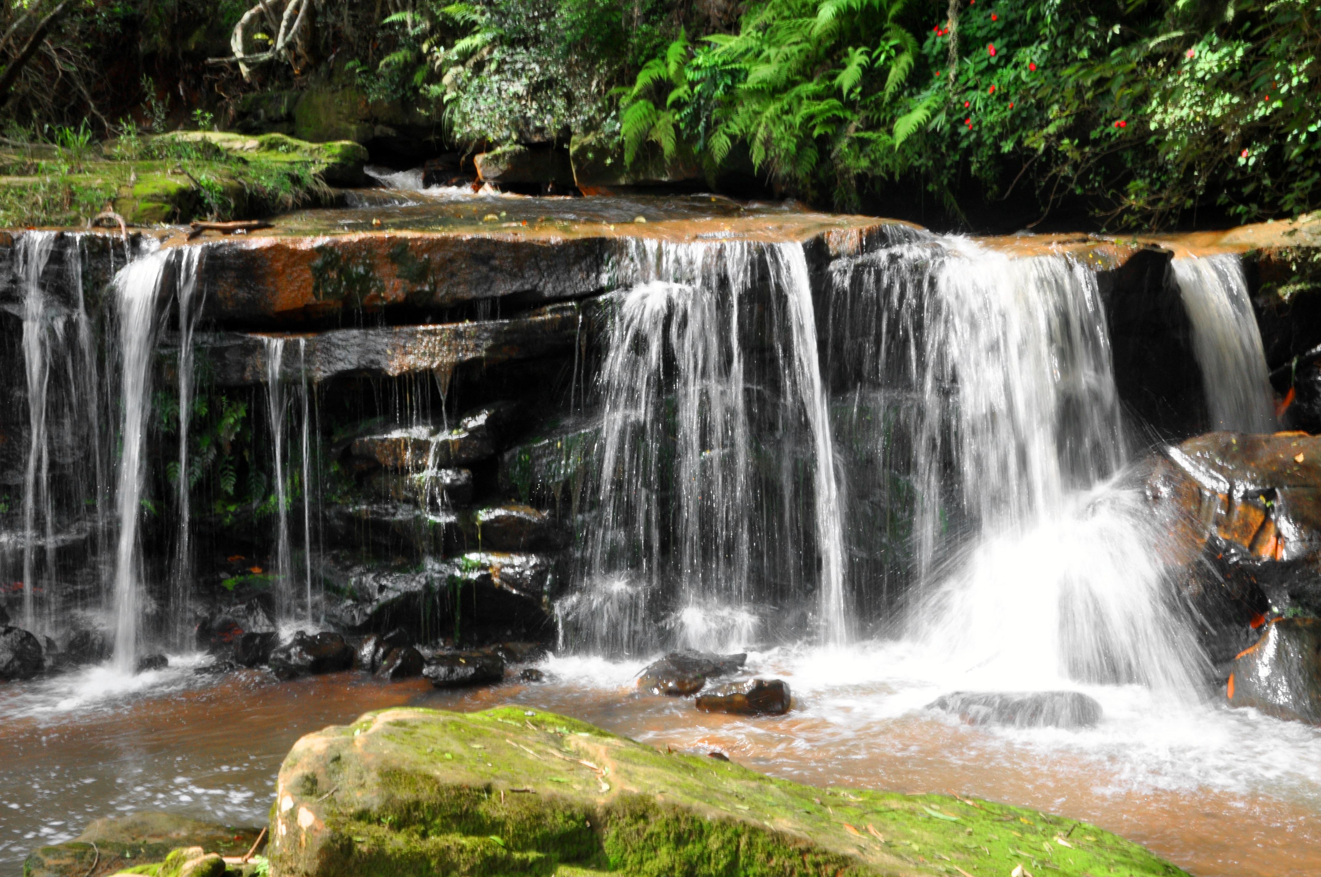 Fotos gratis paisaje naturaleza cascada lago piedra for Fuente cascada agua
