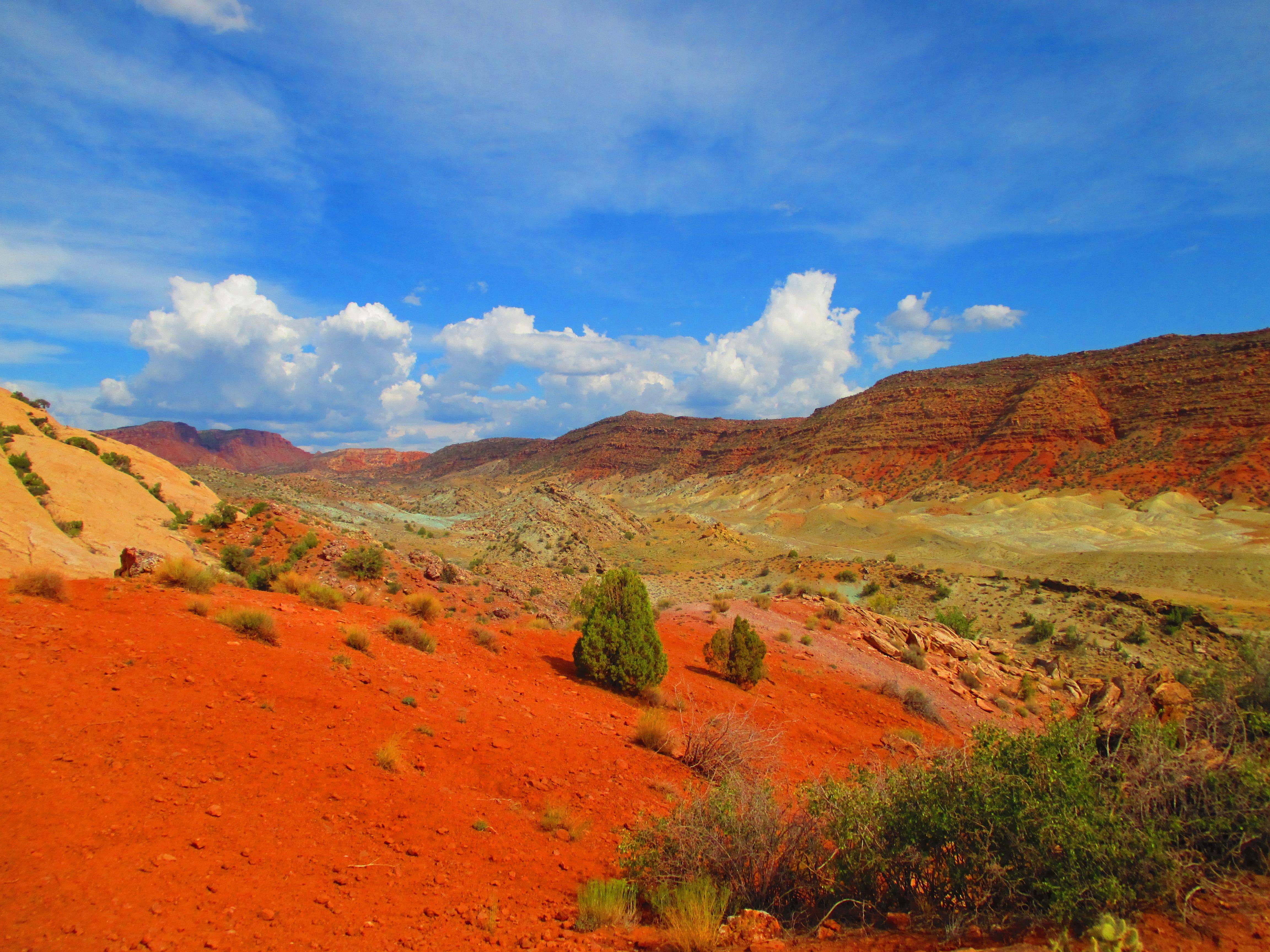 Immagini belle paesaggio natura selvaggia montagna for Semplici paesaggi