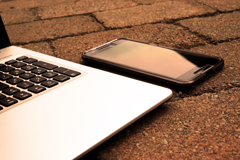 картинки телефоны с ноутбуками вот образа