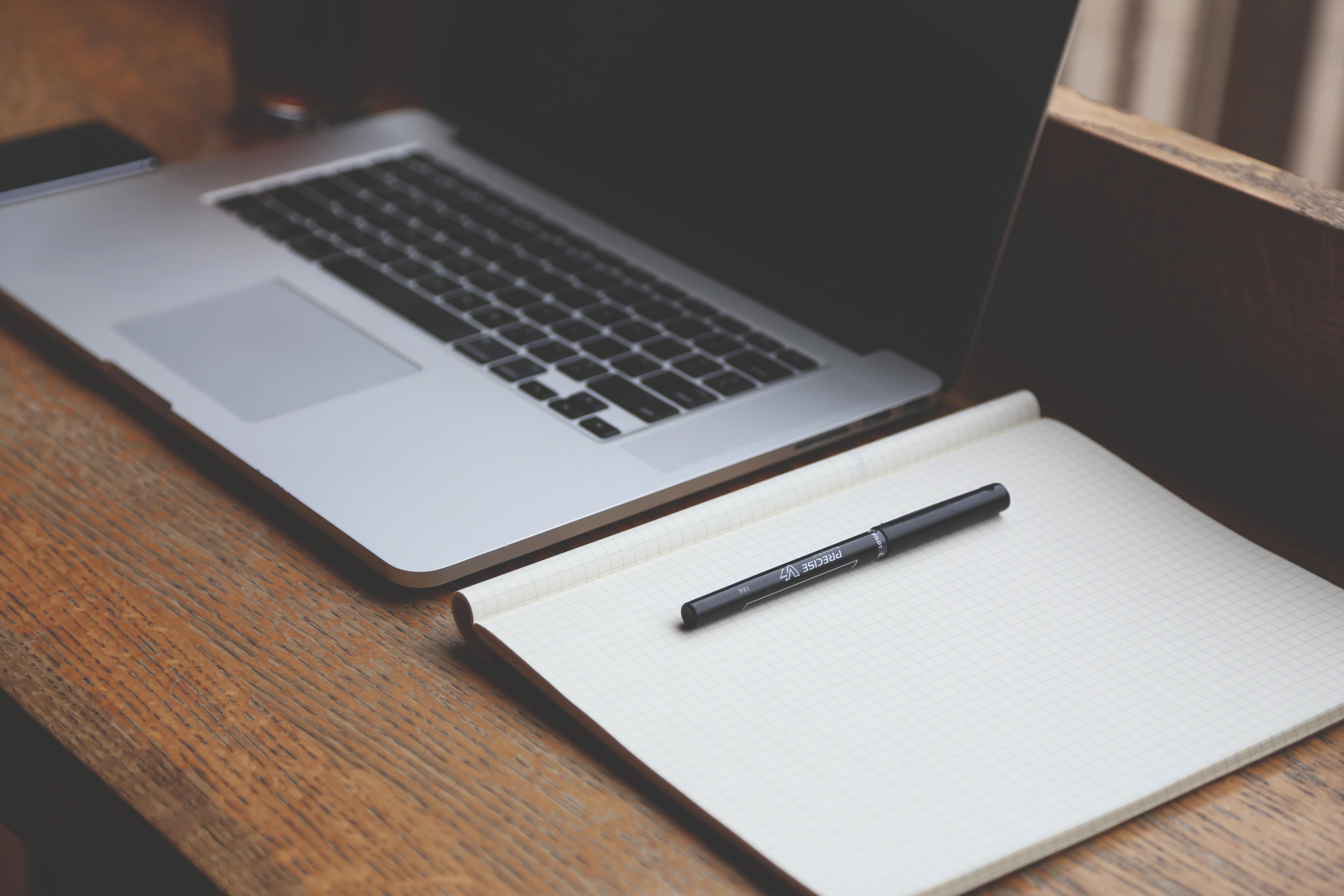 Kostenlose foto : Laptop, Schreiben, kreativ, Technologie, Büro ...