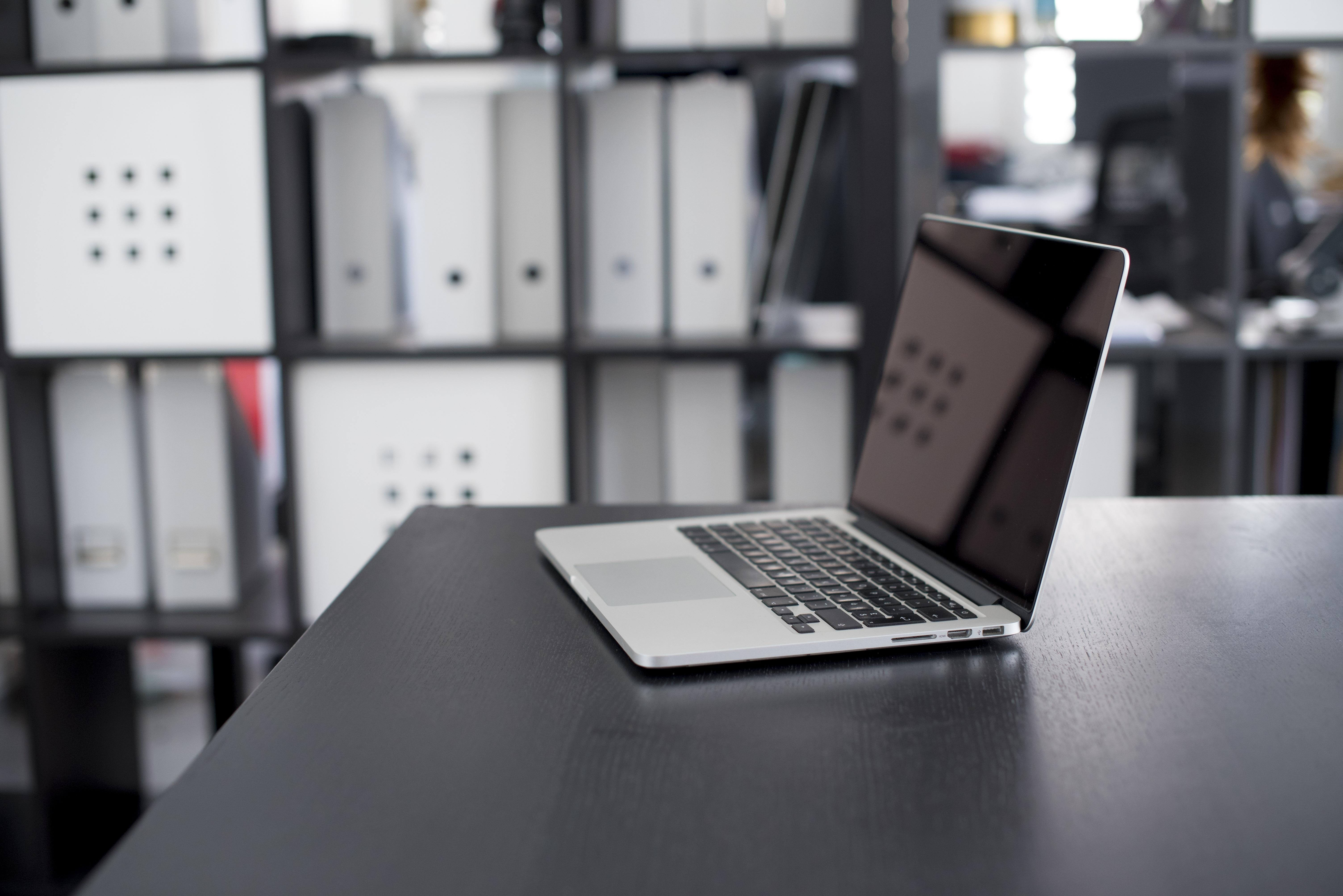 Fotos gratis ordenador port til escritorio manzana for Computadoras para oficina
