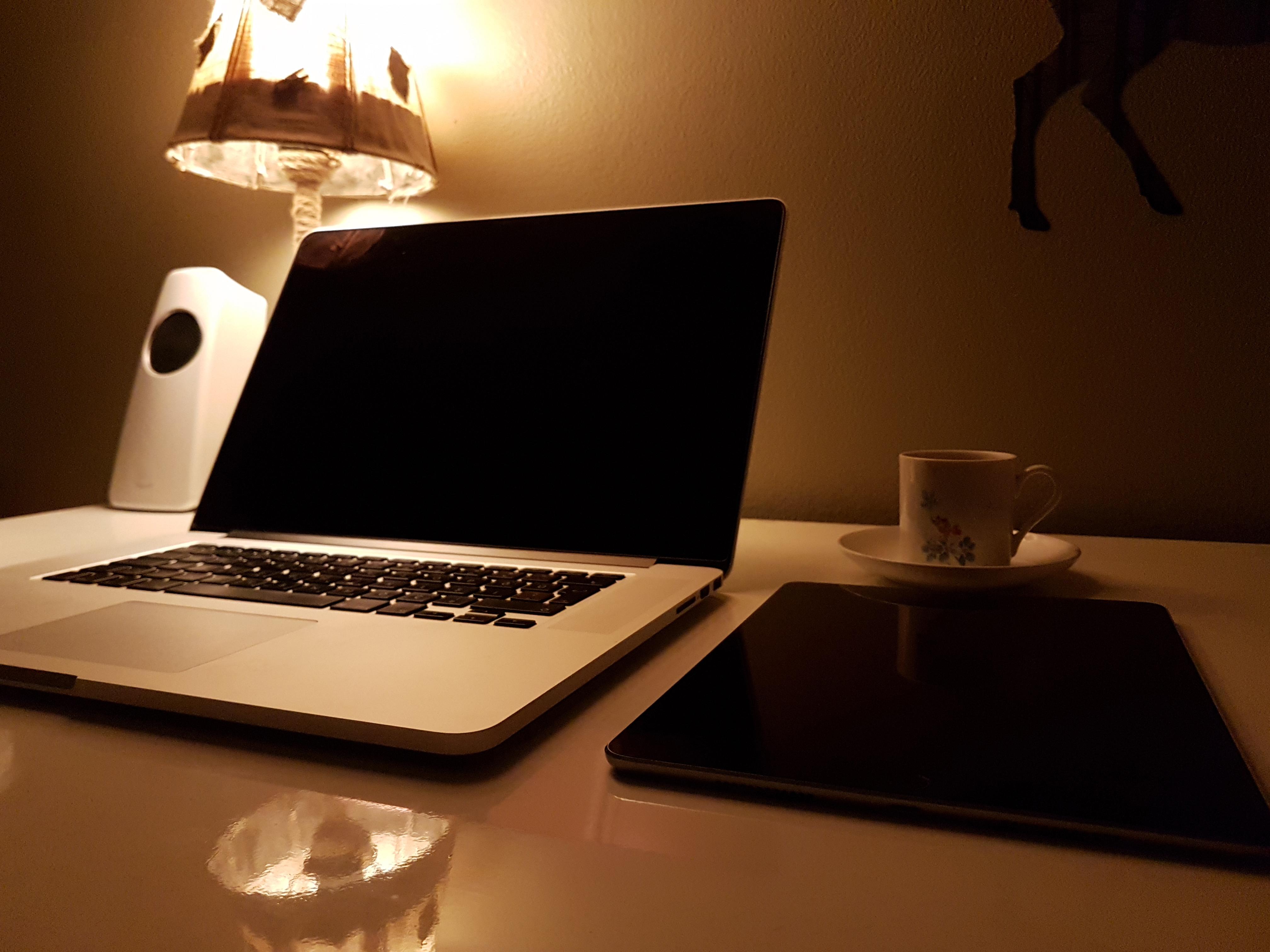 Fotos gratis : ordenador portátil, escritorio, computadora, Macbook ...