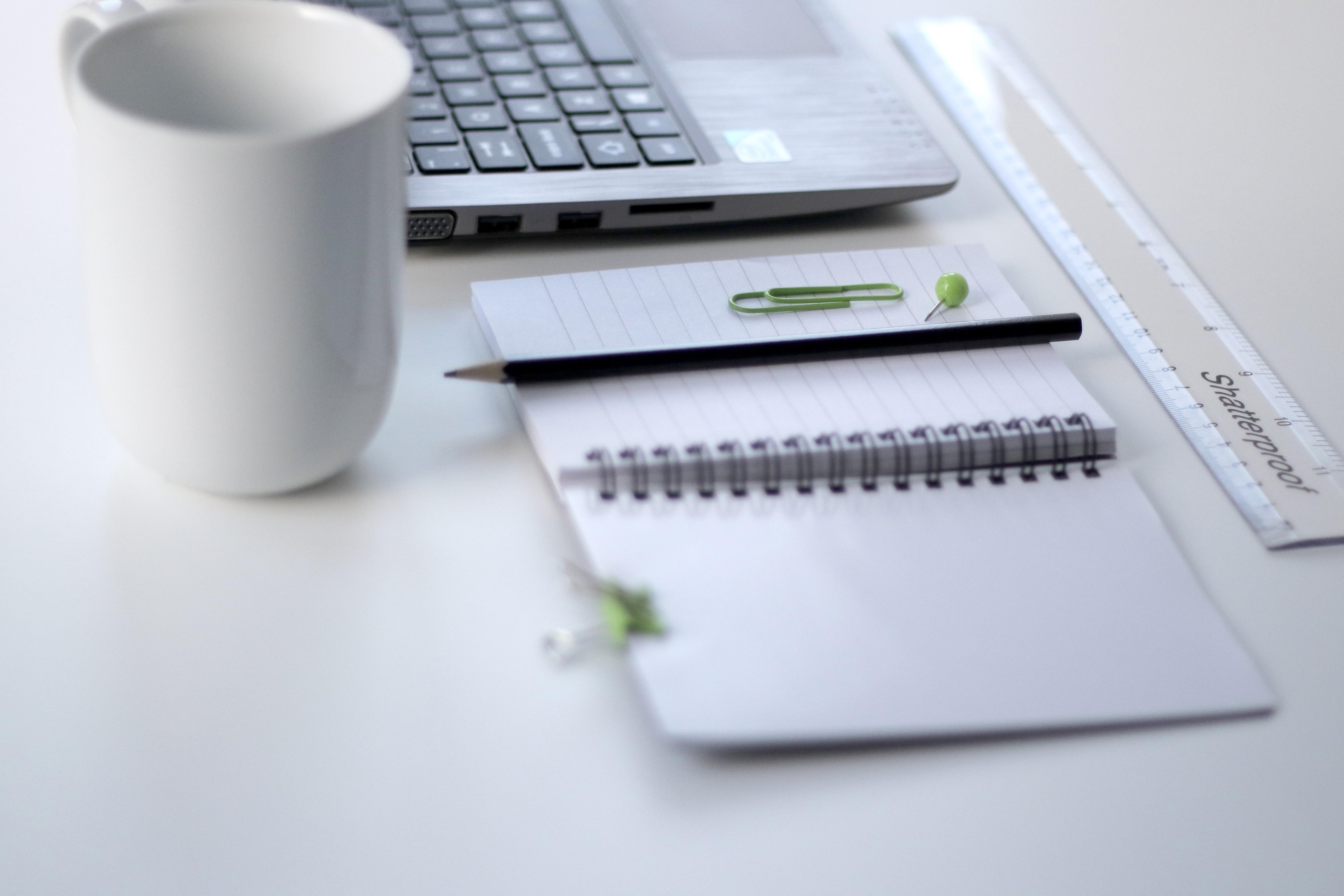 картинки : портативный компьютер, стол письменный, блокнот ...