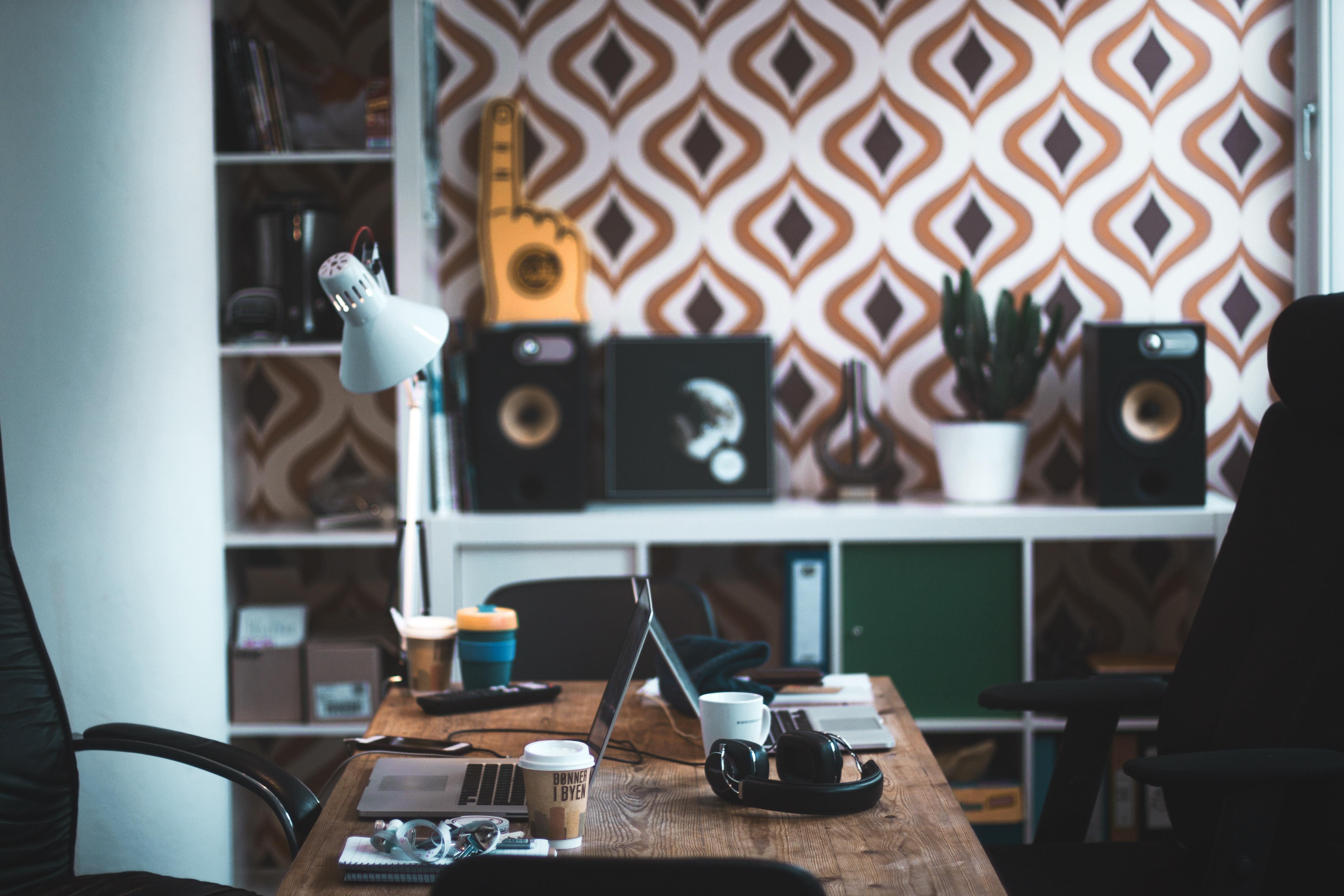 Gratis Afbeeldingen : laptop, bureau, tafel, werkruimte, kantoor ...
