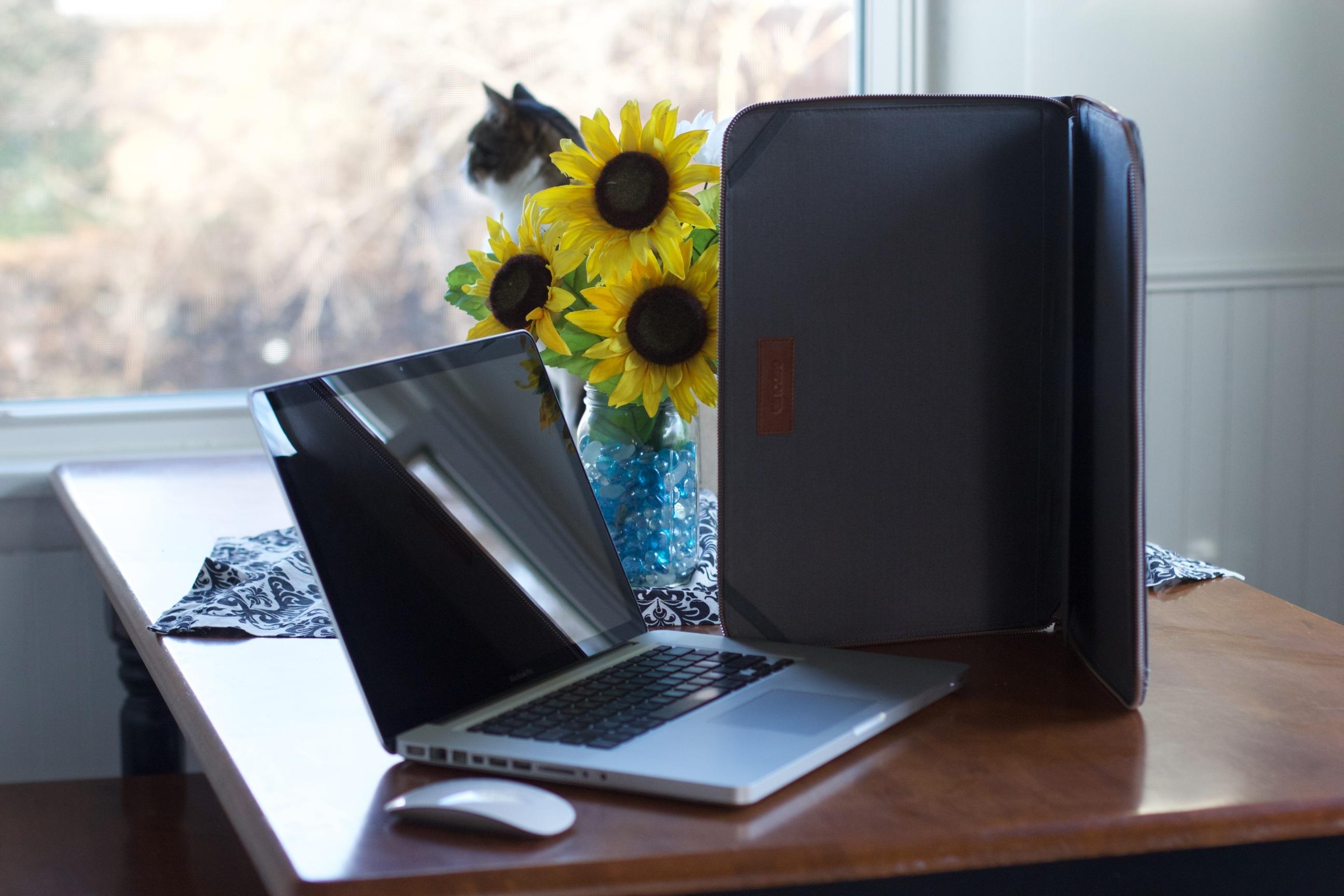 best website 011de ff061 Free Images : laptop, mac, apple, table, technology, flower, black ...