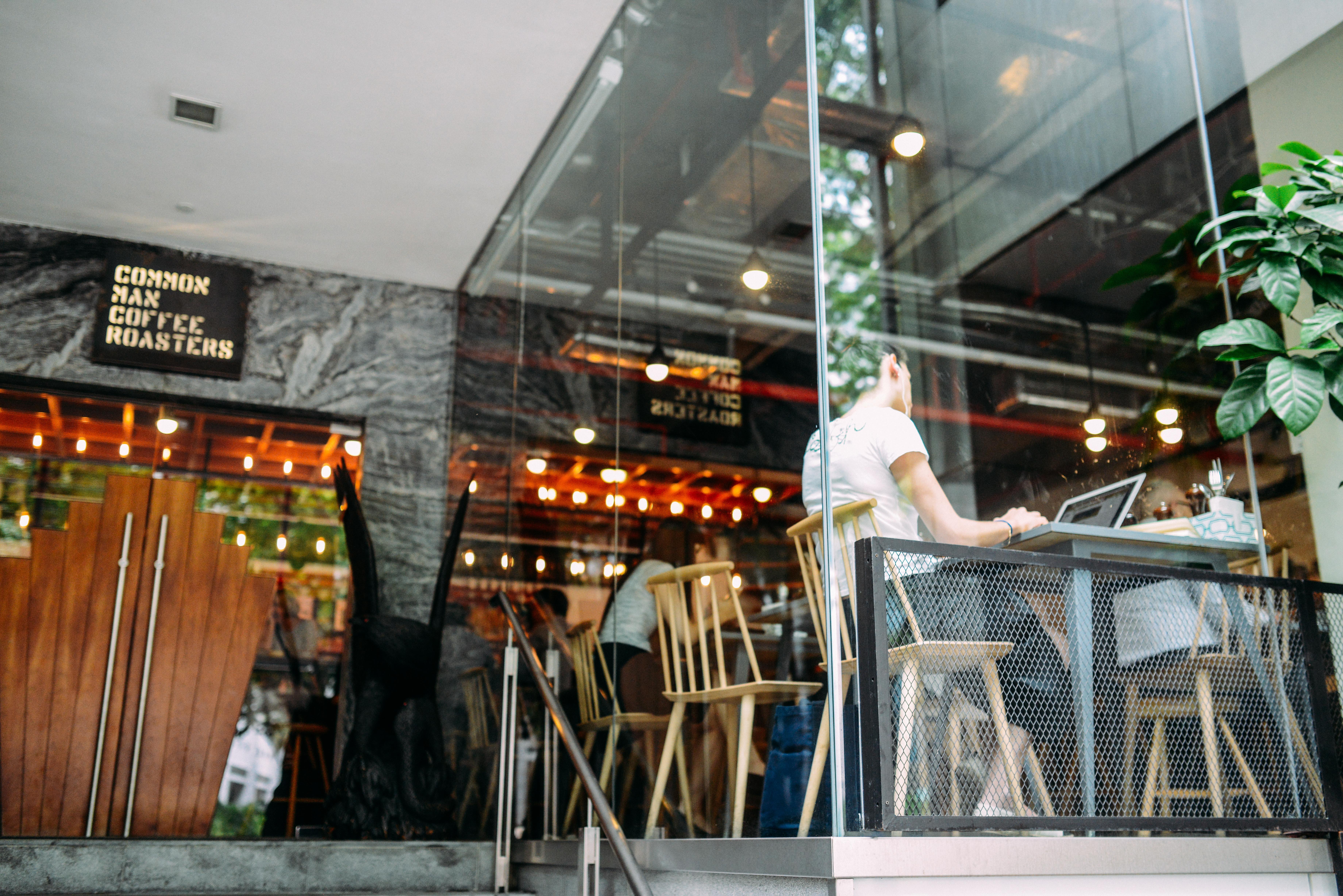 Gratis afbeeldingen laptop restaurant bar het