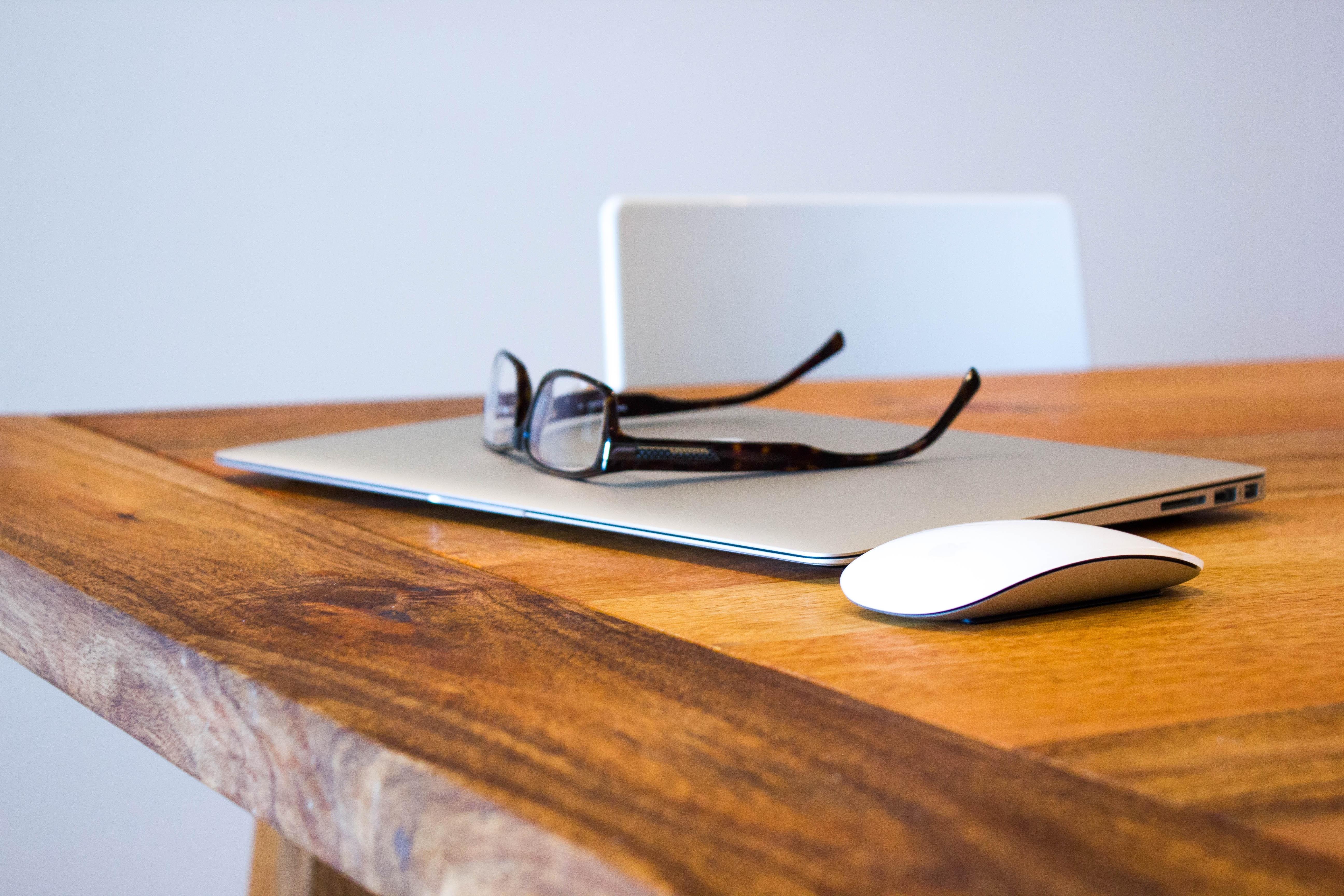 glasögon vid datorarbete