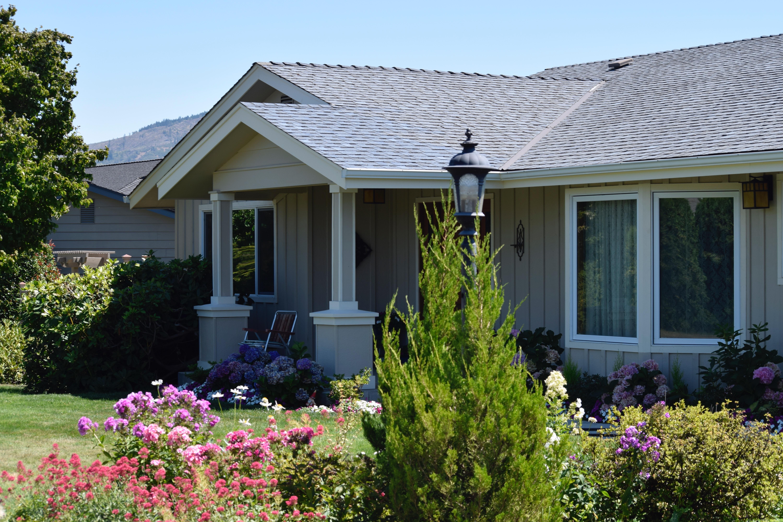 Fotos gratis c sped flor ventana techo porche caba a patio interior fachada propiedad - Ley propiedad horizontal patio interior ...