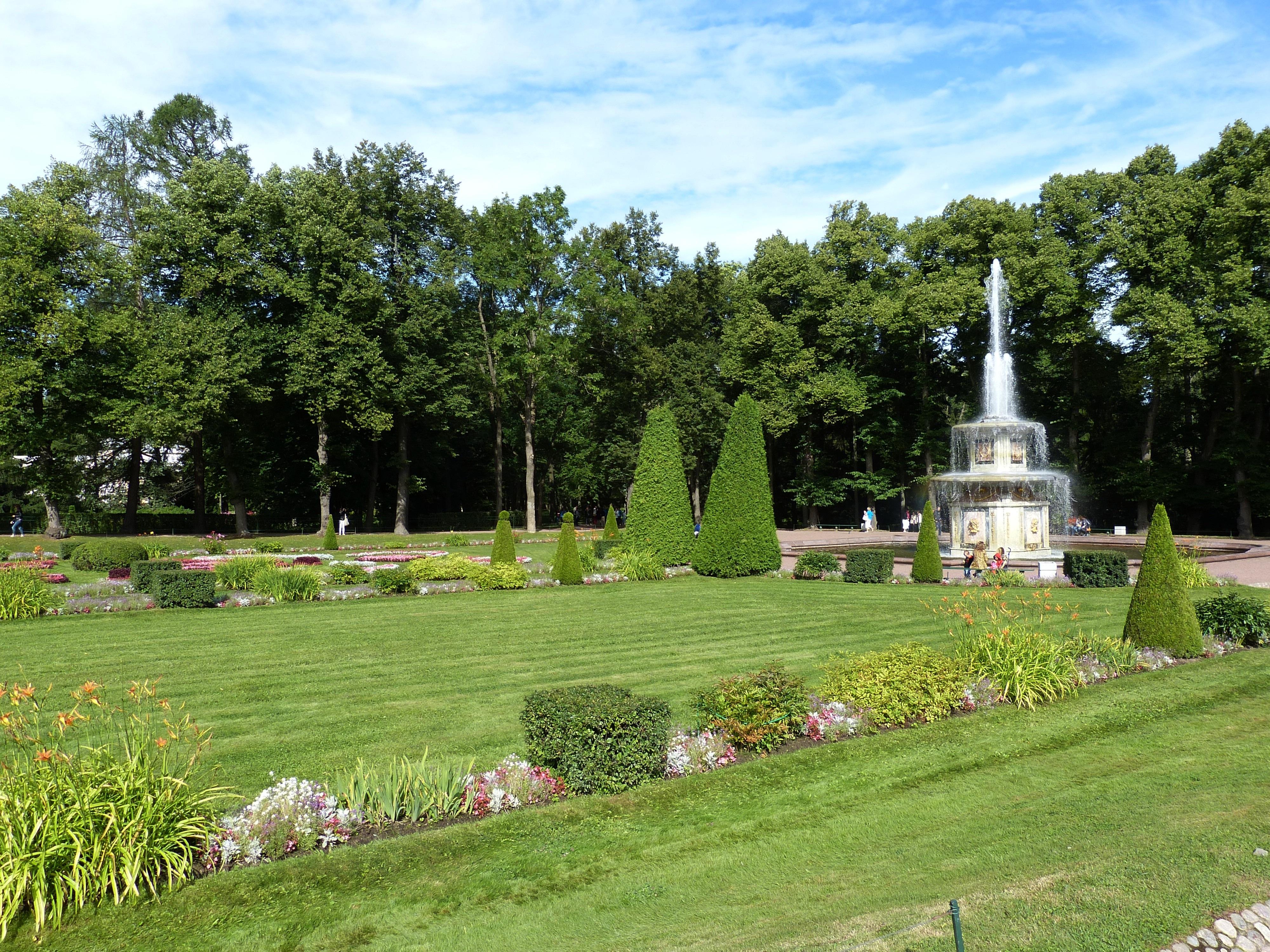 Fotos gratis c sped prado flor castillo palacio for Cementerio jardin memorial