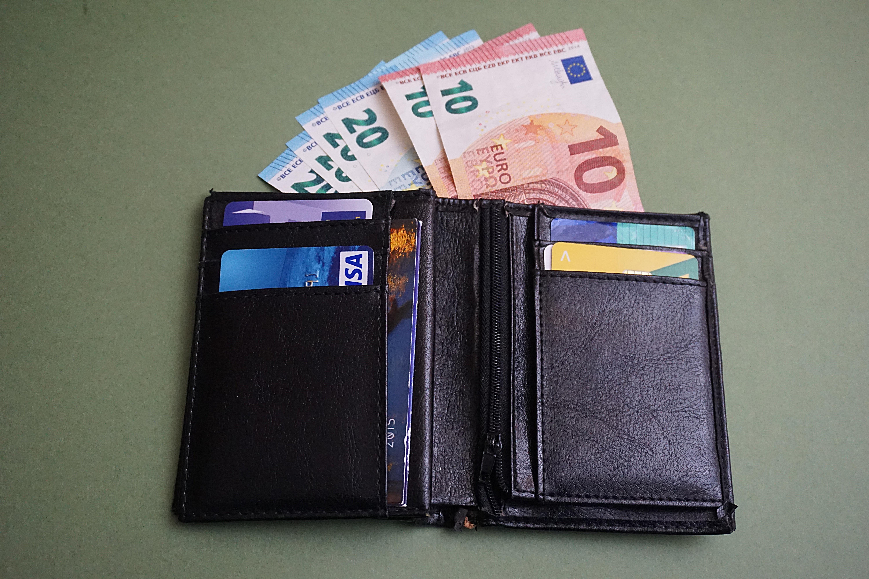 Portemonnee 10 Euro.Gratis Afbeeldingen Leer Europa Geld Bedrijf Portemonnee Merk