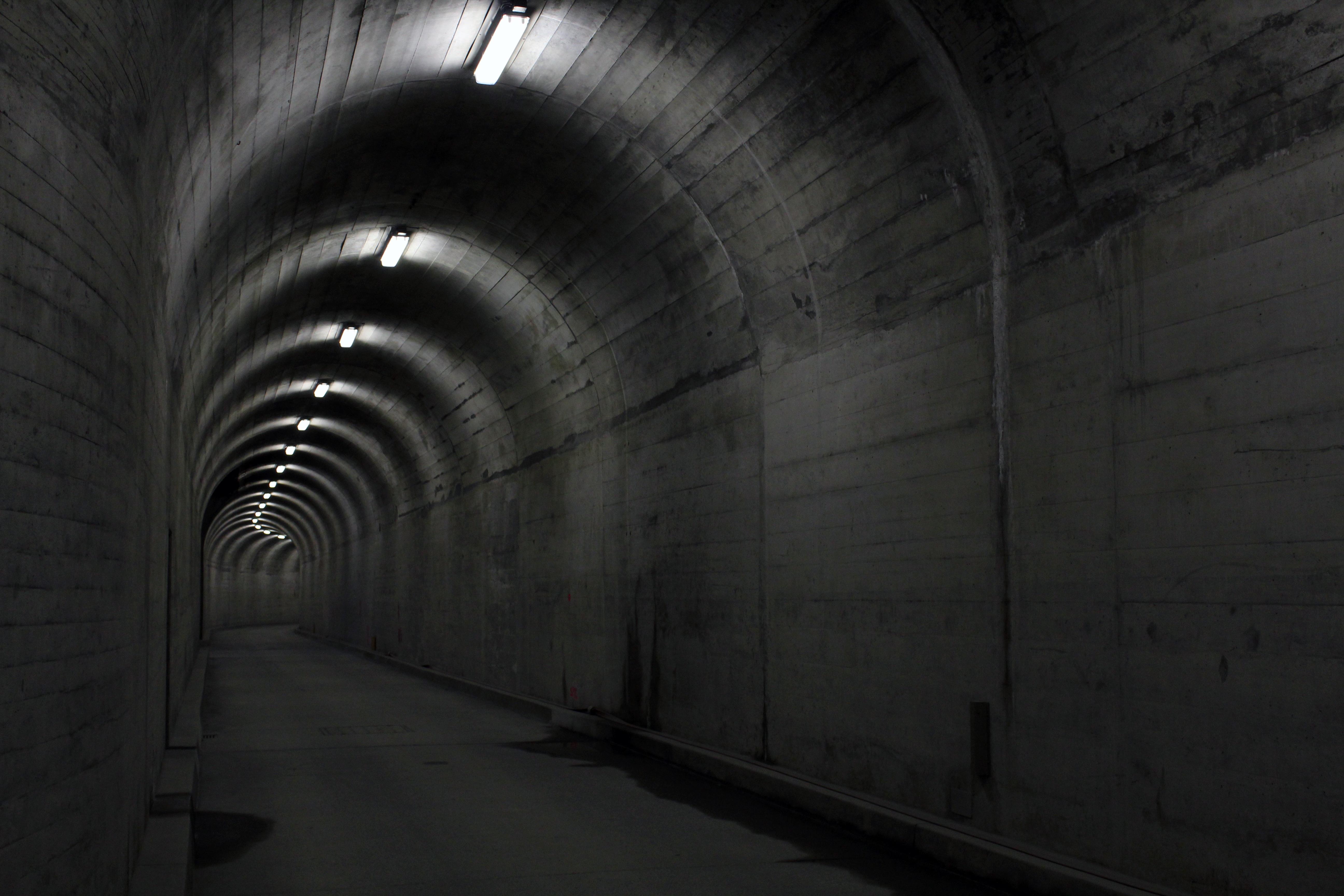 Gratis Afbeeldingen : licht, architectuur, gebouw, tunnel, donker ...