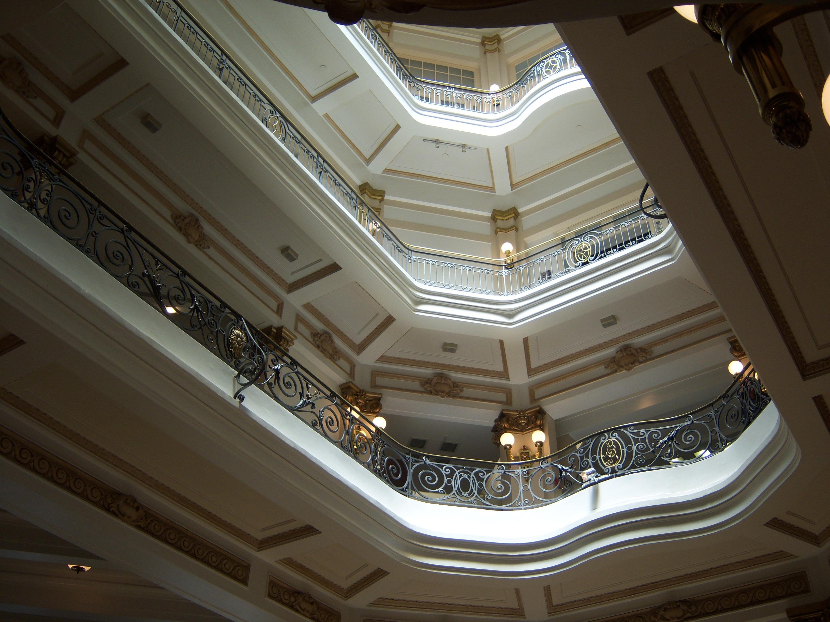 Images Gratuites : lumière, architecture, plafond, lucarne ...