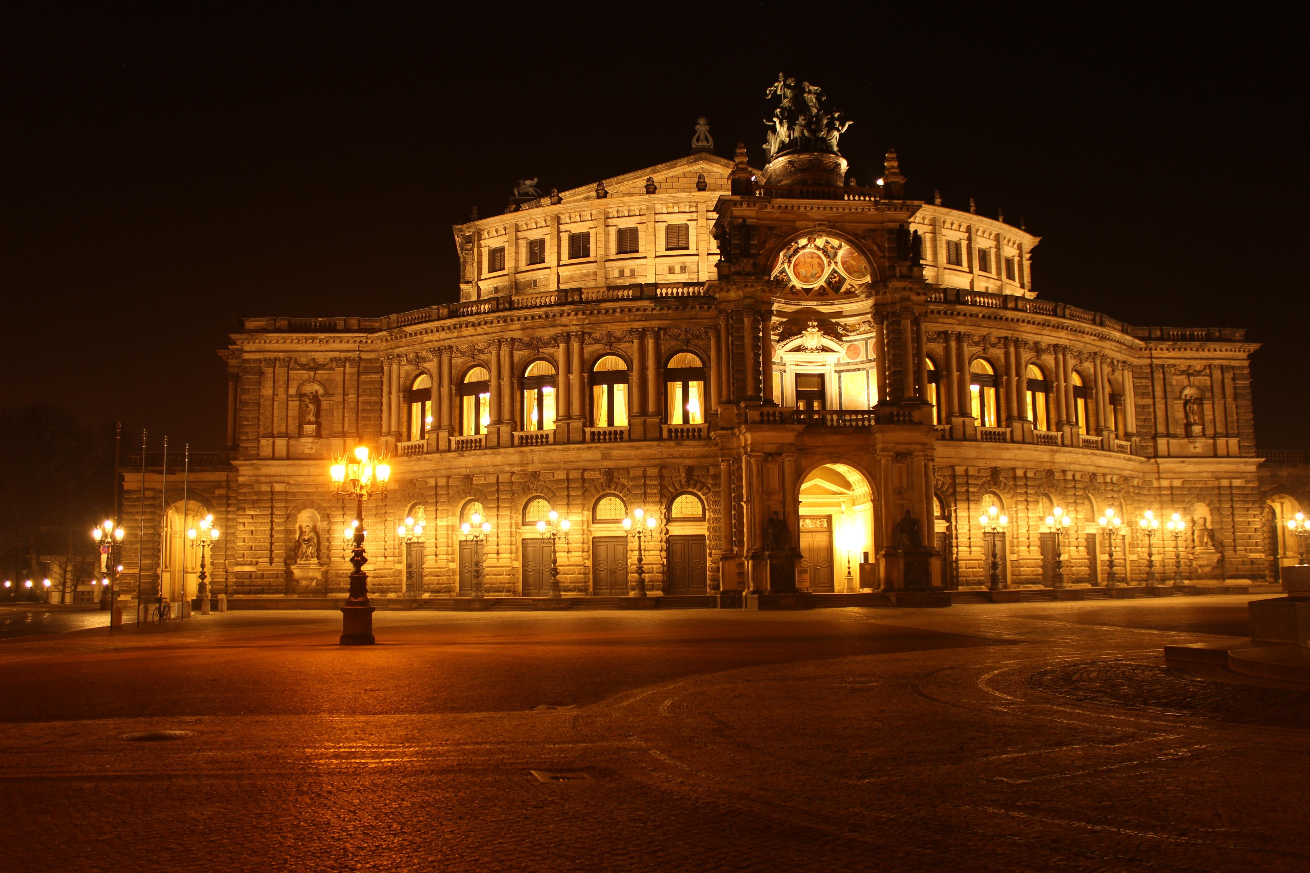 無料画像  光, 建築, 建物, 宮殿, シティ, 都市景観, 夕暮れ