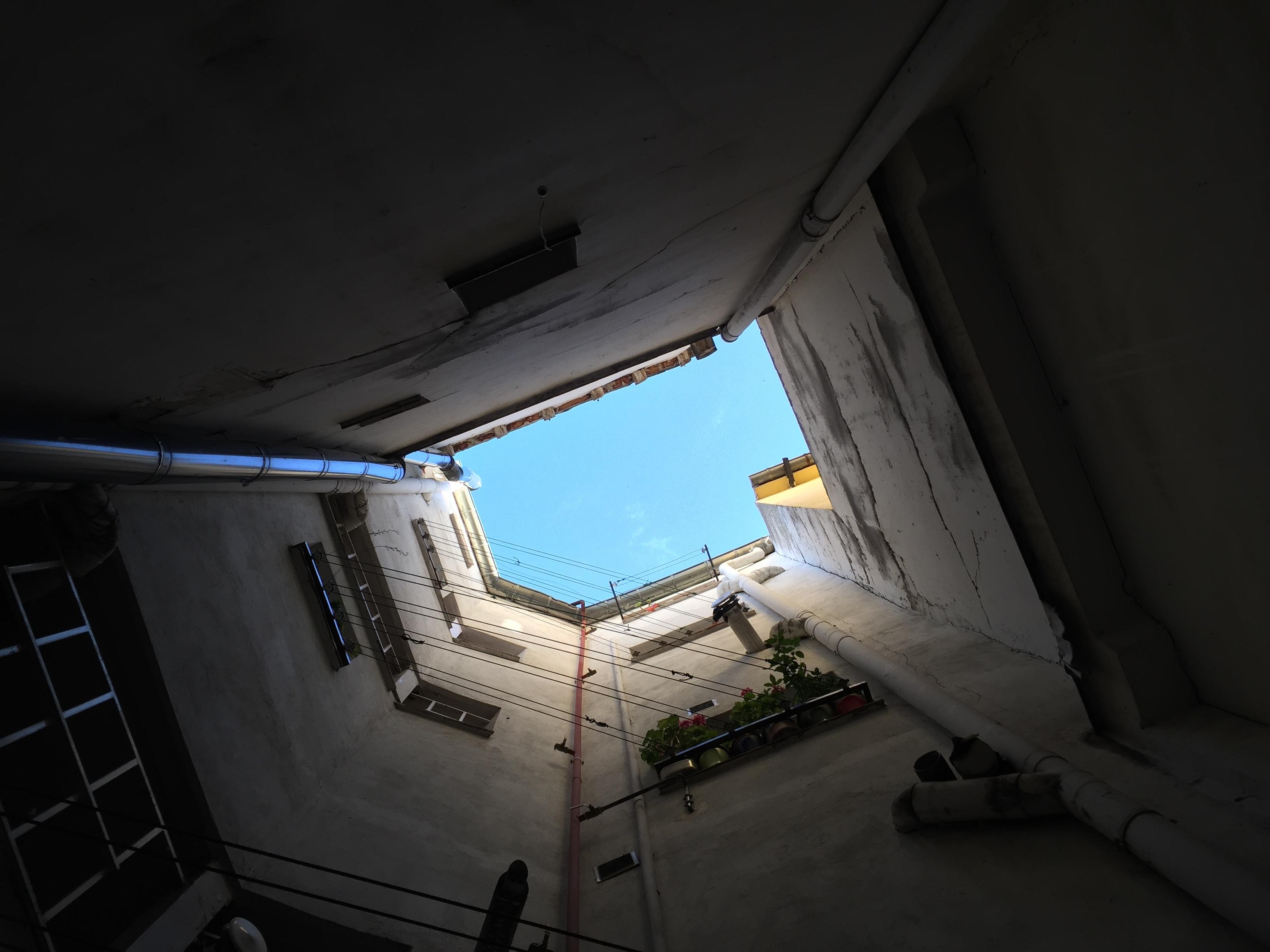 光 建築 構造 空 家 建物 天井 影 闇 ルーム 点灯 インテリア・デザイン 形状 スポーツ