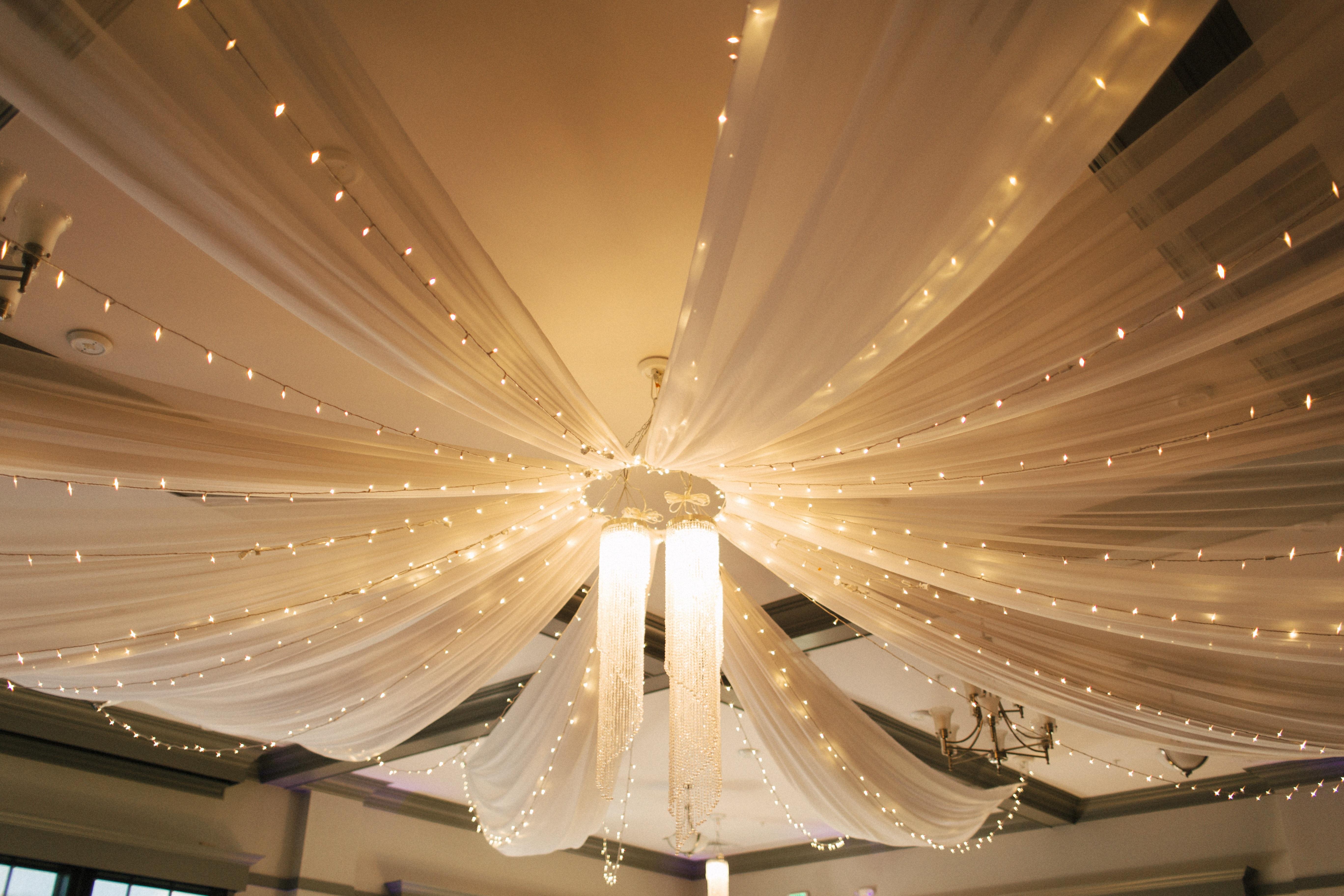 무료 이미지 : 빛, 강당, 천장, 장식, 조명, 혼례, 극장, 사치 ...
