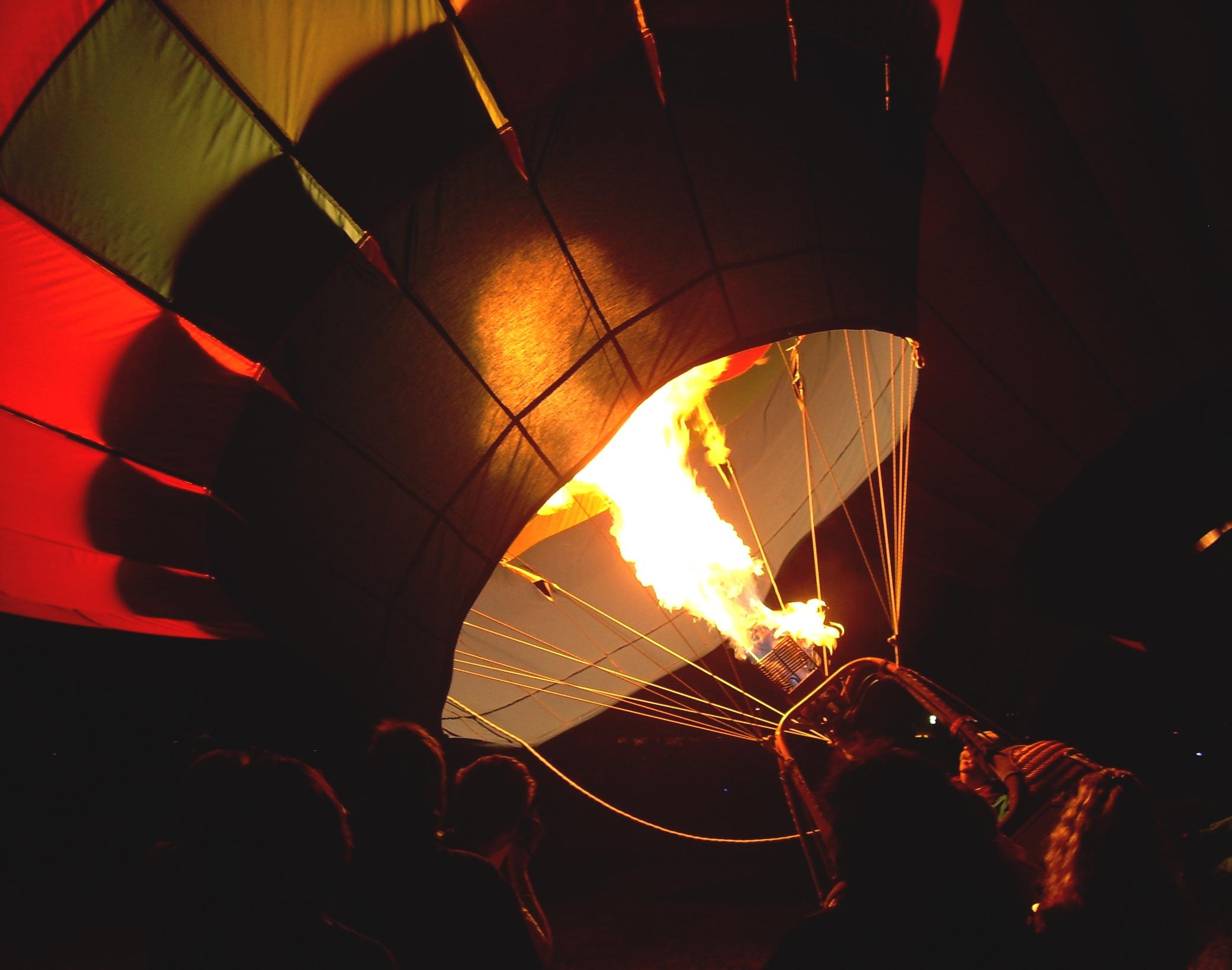 Ballonnen Met Licht : Kostenlose foto : licht ballon heißluftballon dämmerung flugzeug