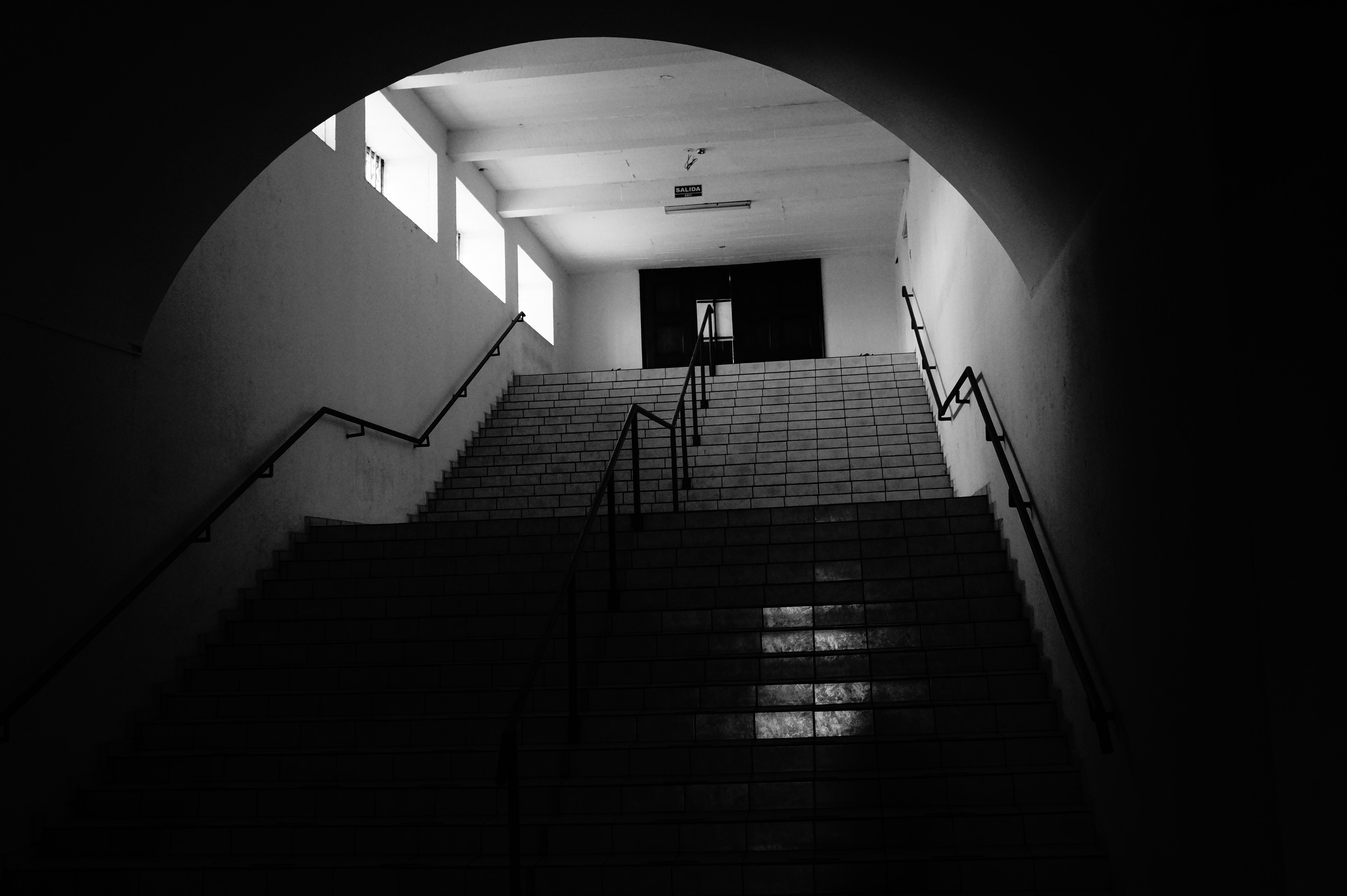 Gratis afbeeldingen licht zwart en wit architectuur nacht