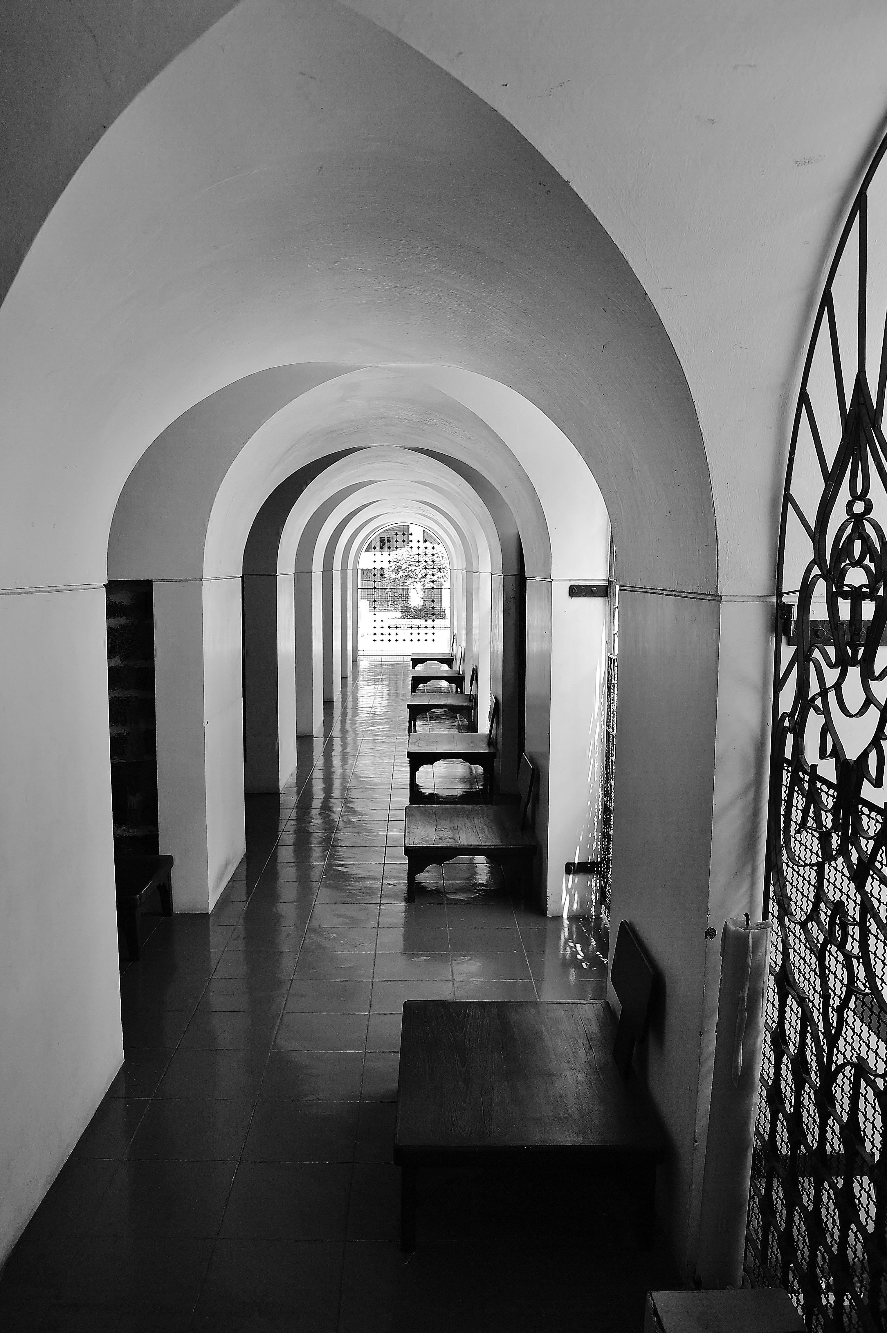 Fotos gratis ligero en blanco y negro arquitectura for Corredor deco blanco y negro