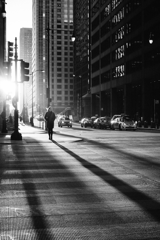 что меня постеры черно белое фото городская жизнь специализируется