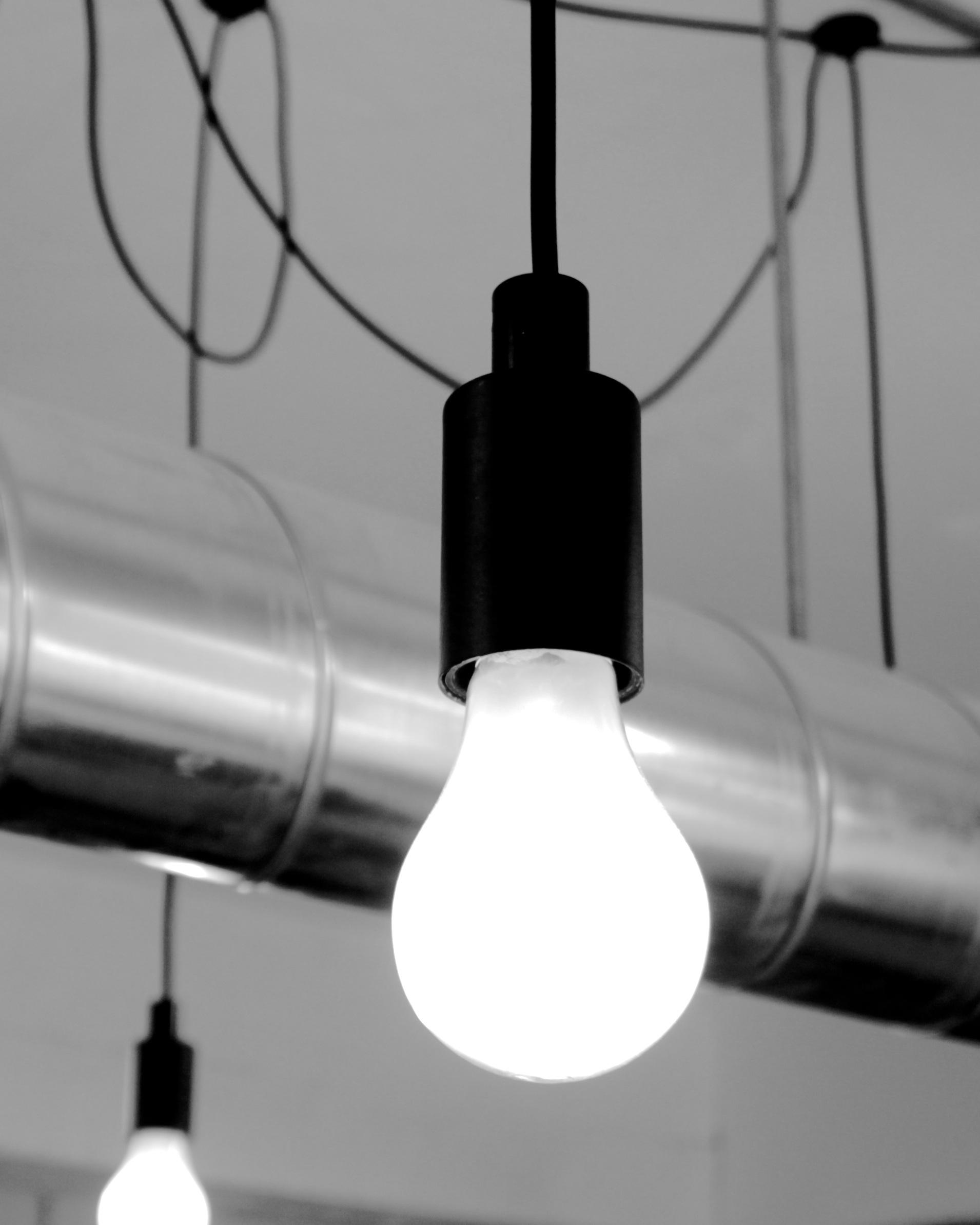 Kostenlose foto : Licht, Schwarz und weiß, Glas, Birne, Lampe ...