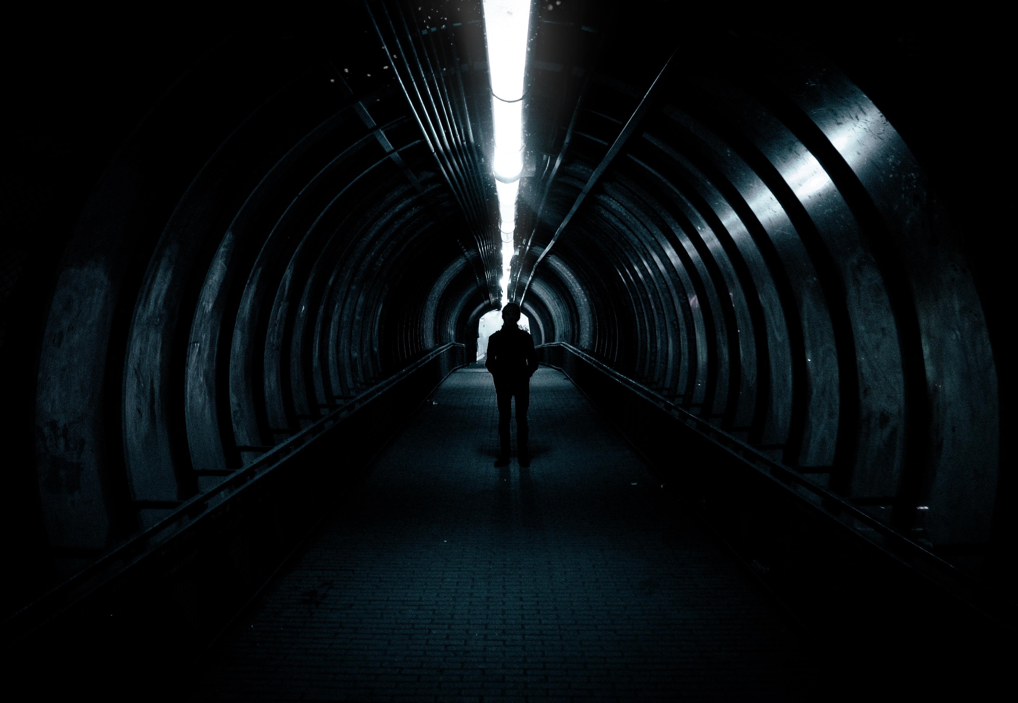 бокалы роз темные туннели картинки плащаница
