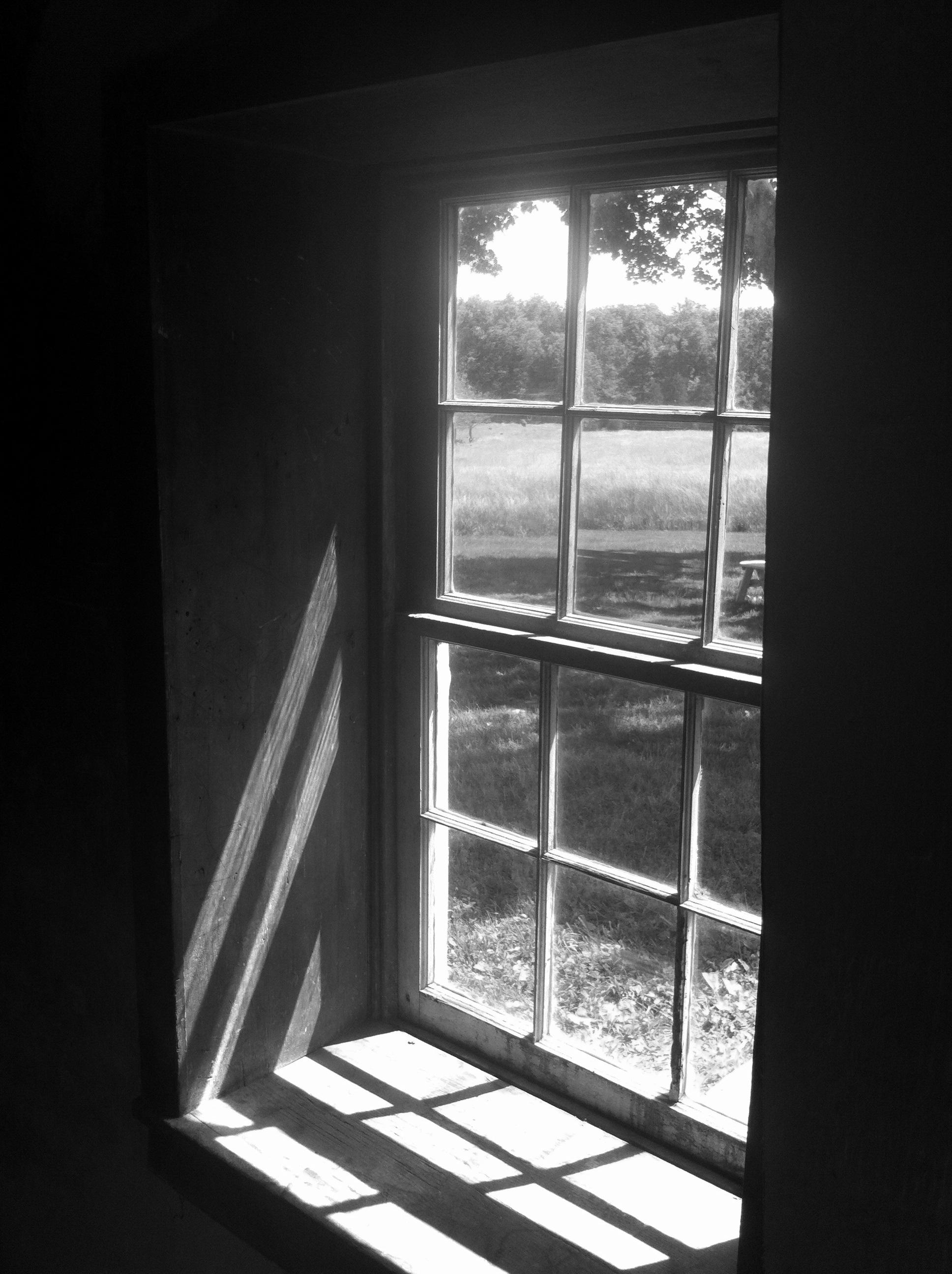 무료 이미지 빛 검정색과 흰색 화이트 집 창문 유리 벽 그림자 어둠 검은 단색화