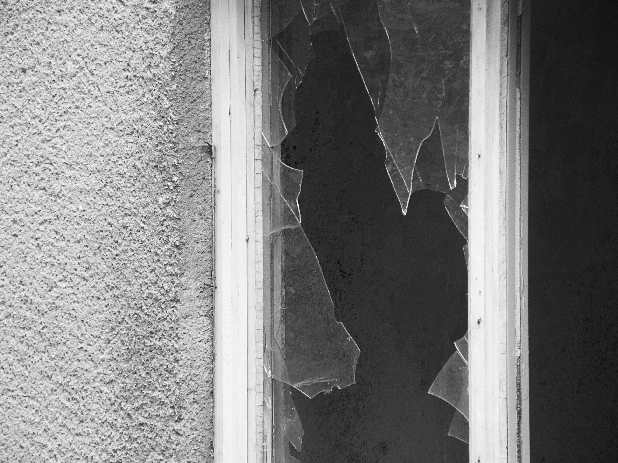Images gratuites lumi re noir et blanc texture trou for Fenetre noir et blanc