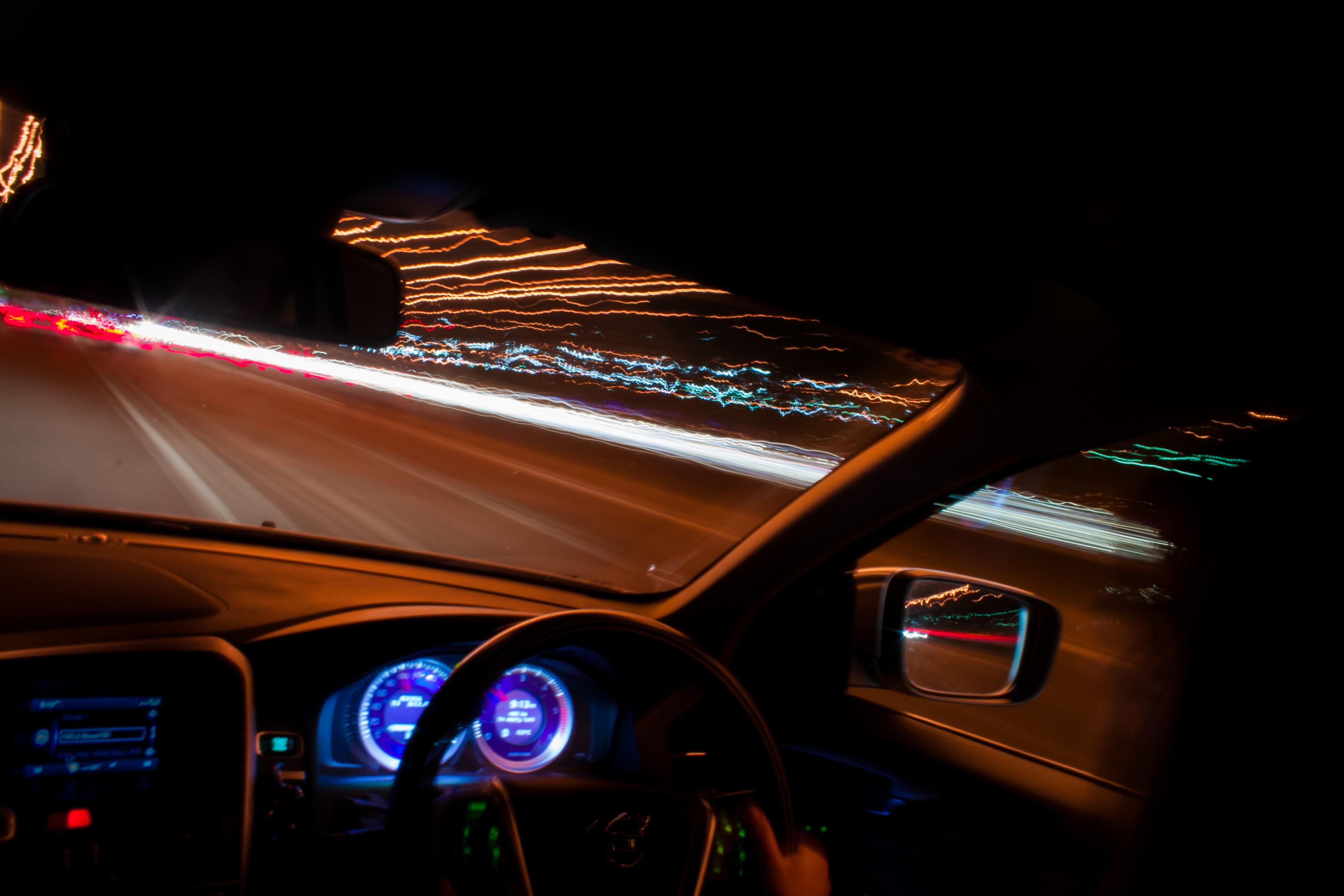 Фотки на машине ночью