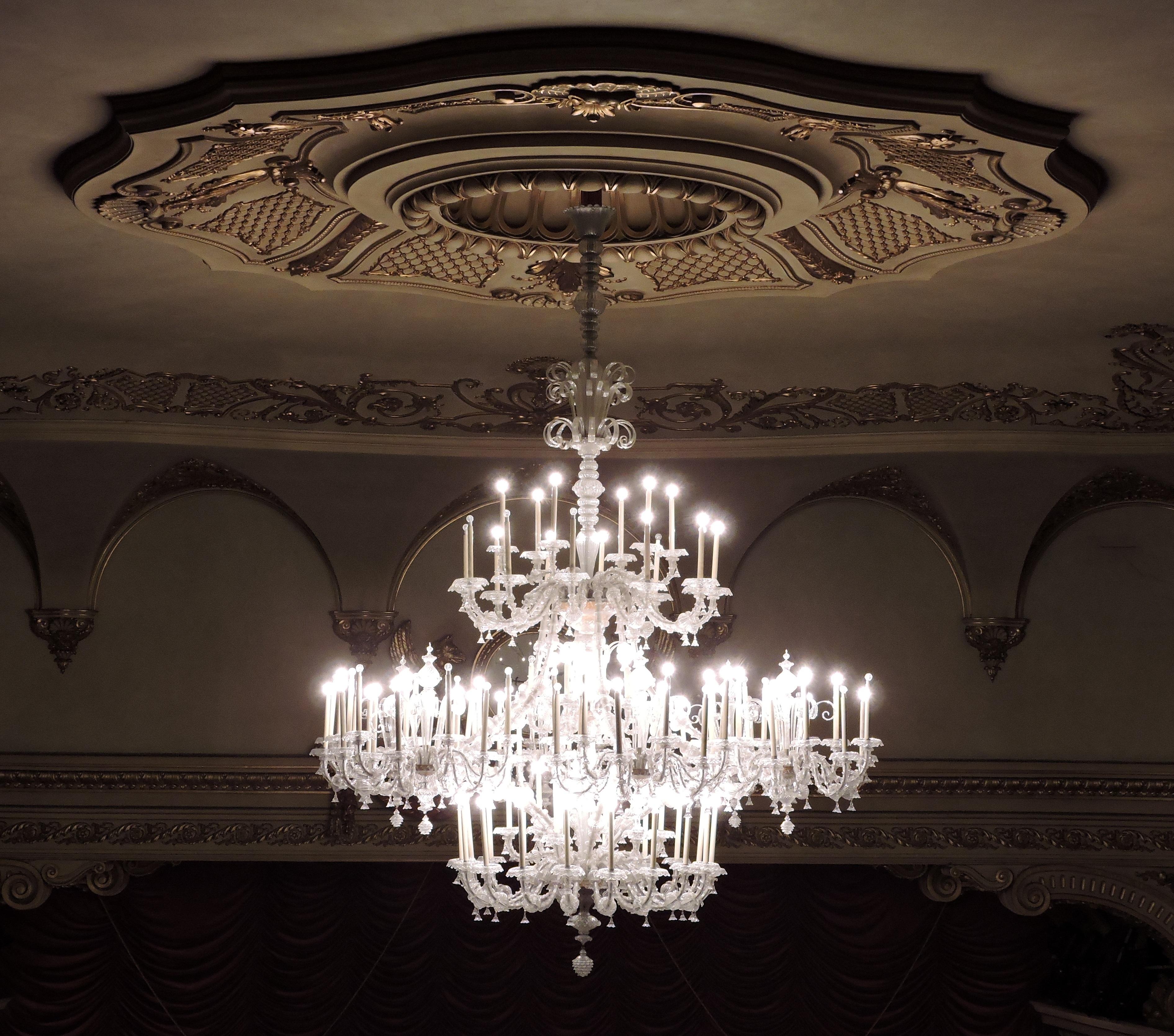 light ceiling lighting decor symmetry light fixture verona teatro chandelier lit light bulbs filarmonico - Lit Original