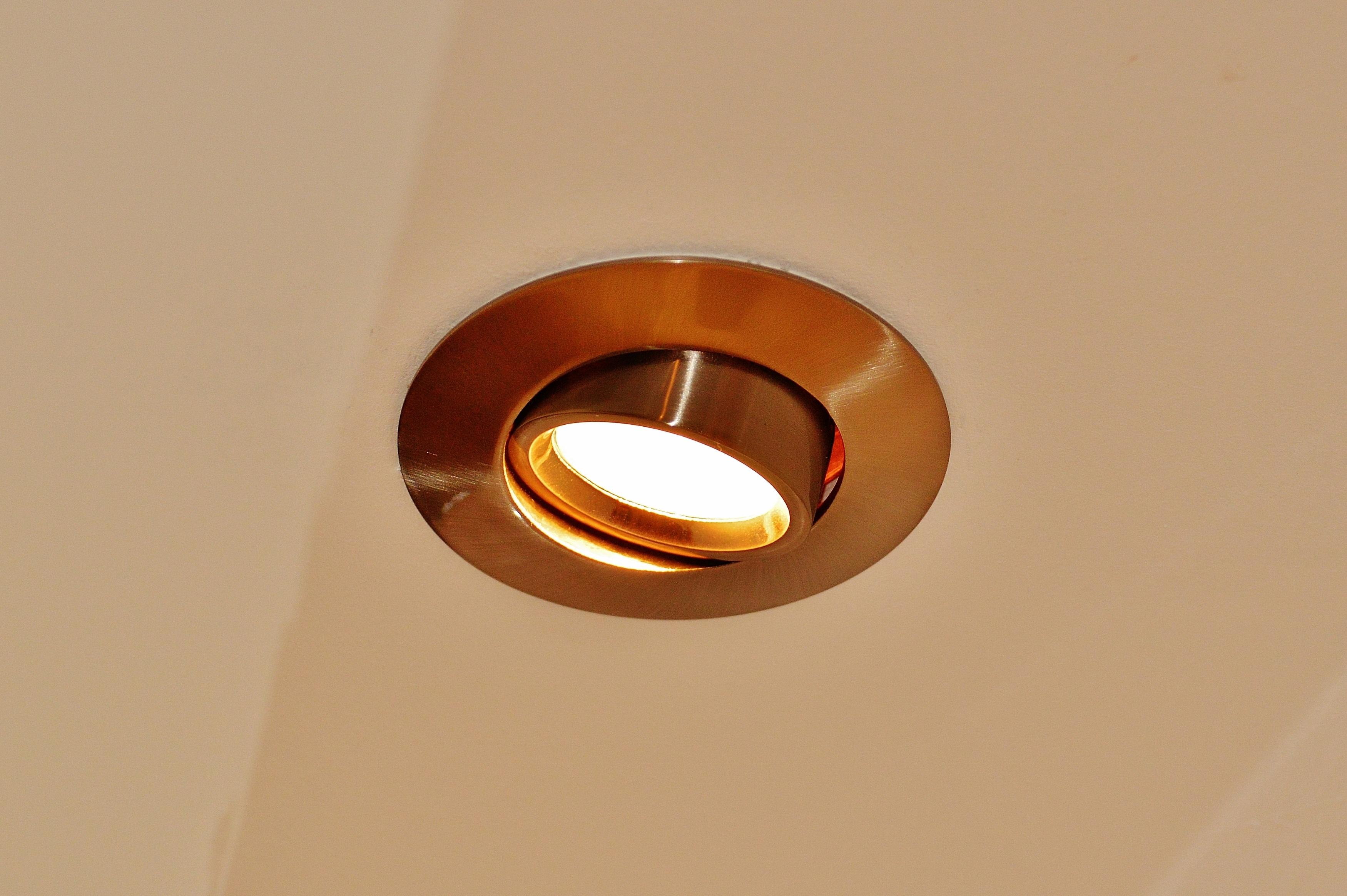 Kostenlose foto : Licht, Decke, Orange, Metall, Lampe, Beleuchtung ...