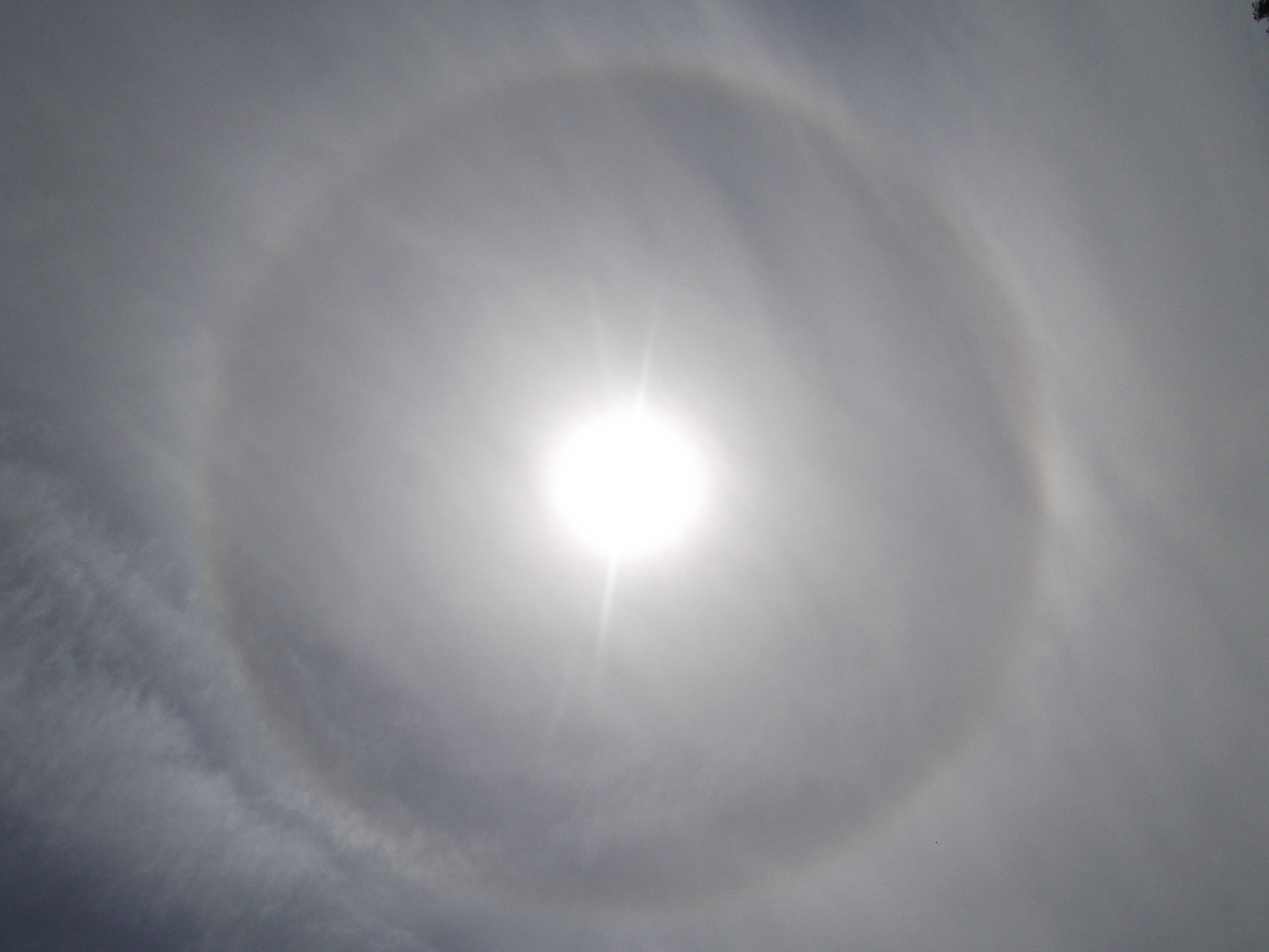 Light Cloud Sky Sun Sunlight Atmosphere Refraction Reflection Moon Circle Eiskristalle Effect Astronomical Object