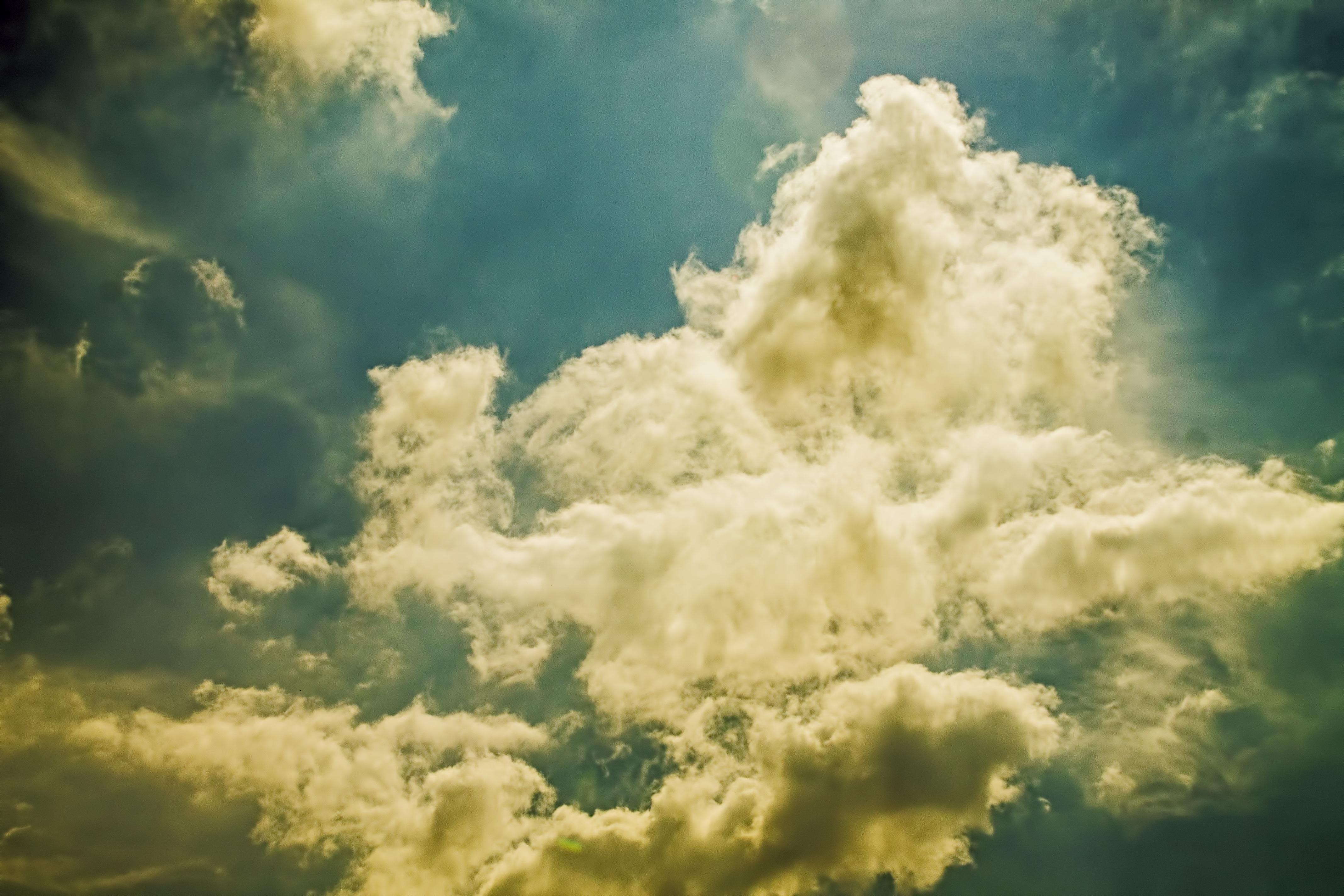 выкладывает как сфотографировать облака над головой искье два