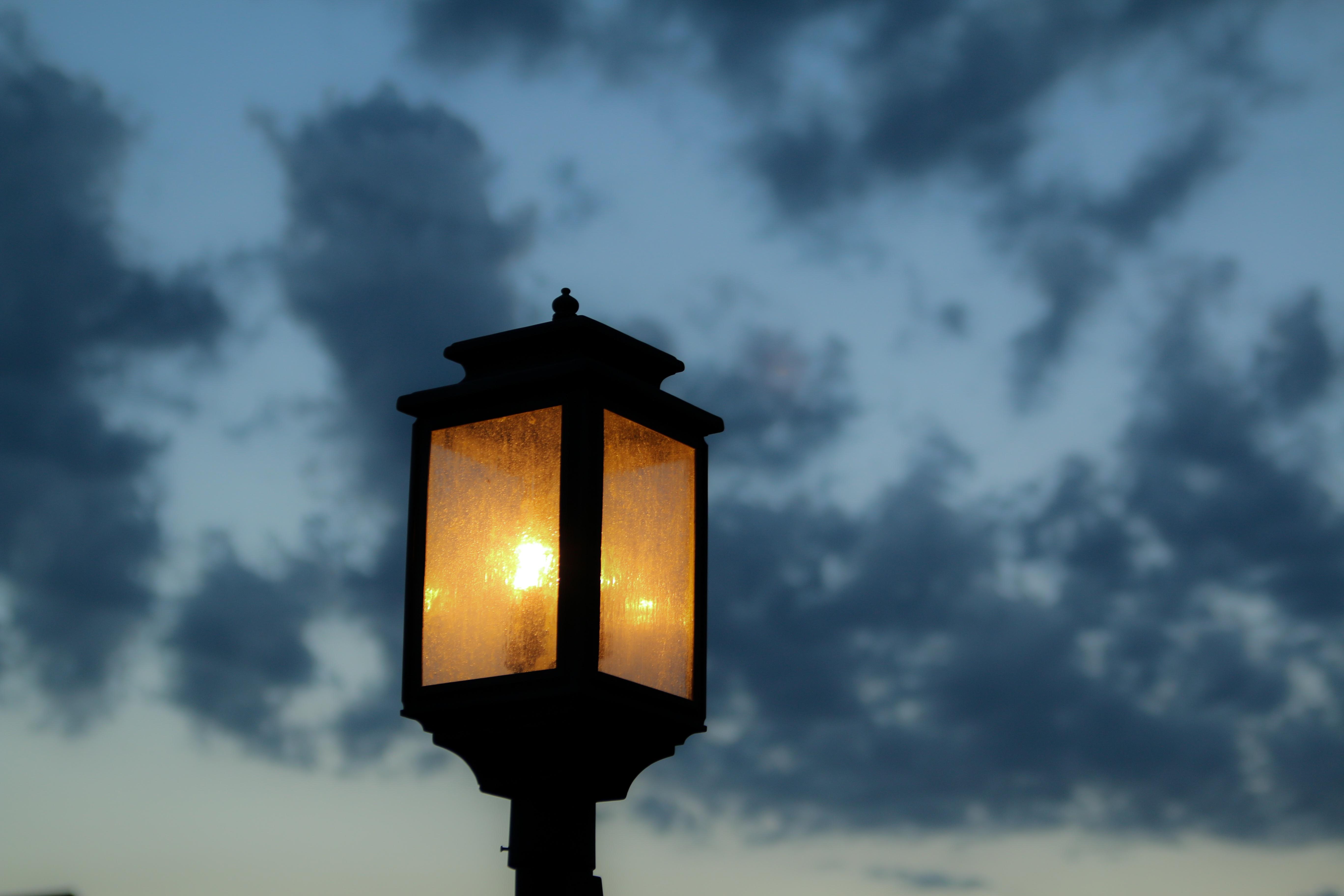 gratis afbeeldingen licht wolk hemel zonlicht avond toren duisternis blauw. Black Bedroom Furniture Sets. Home Design Ideas