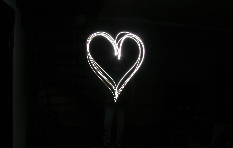 Light Dark Heart Darkness Lighting Long Exposure Human Body Font Organ Shape Streaks
