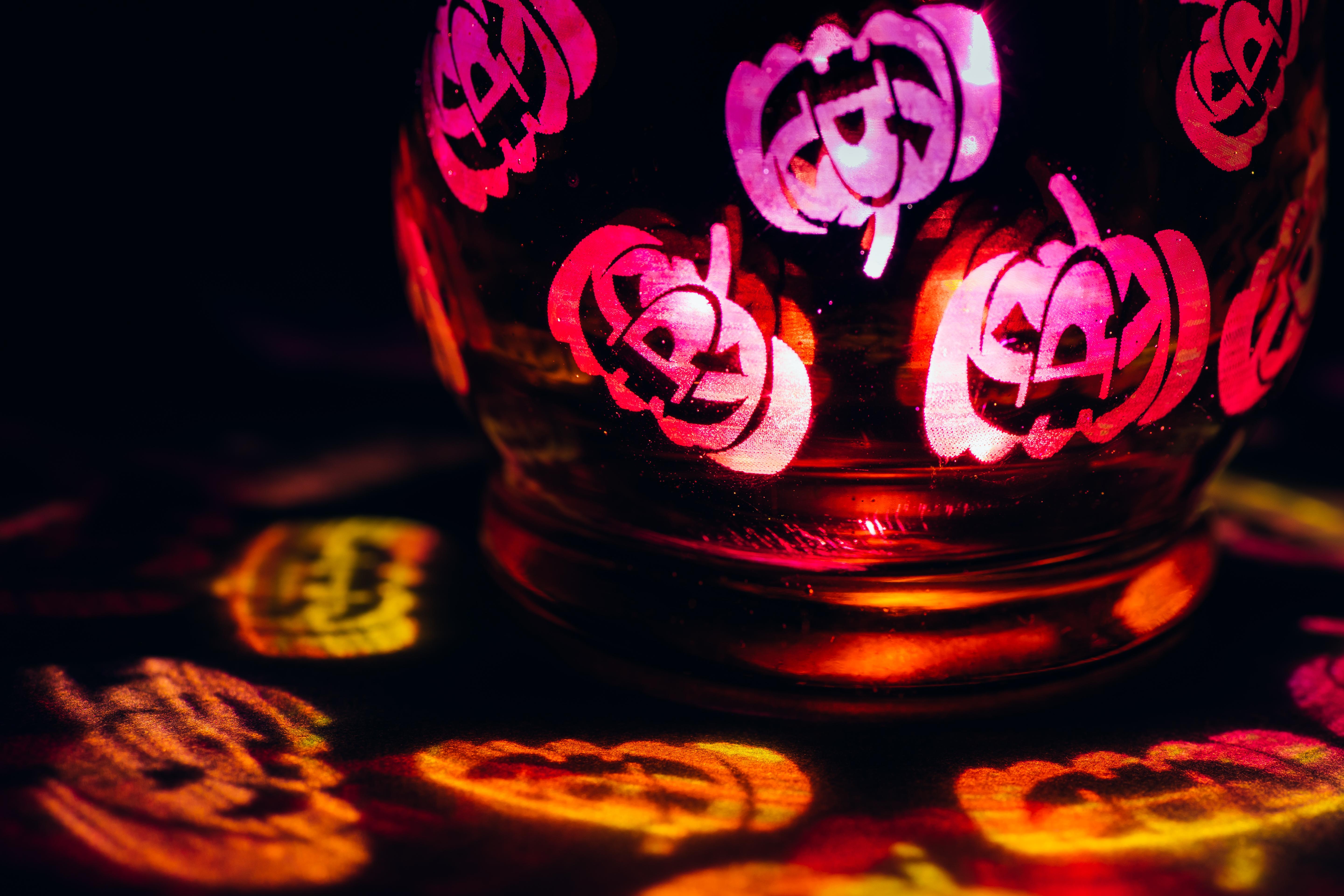 Gratis Afbeeldingen : licht, bloem, glas, spookachtig, rood, macro ...