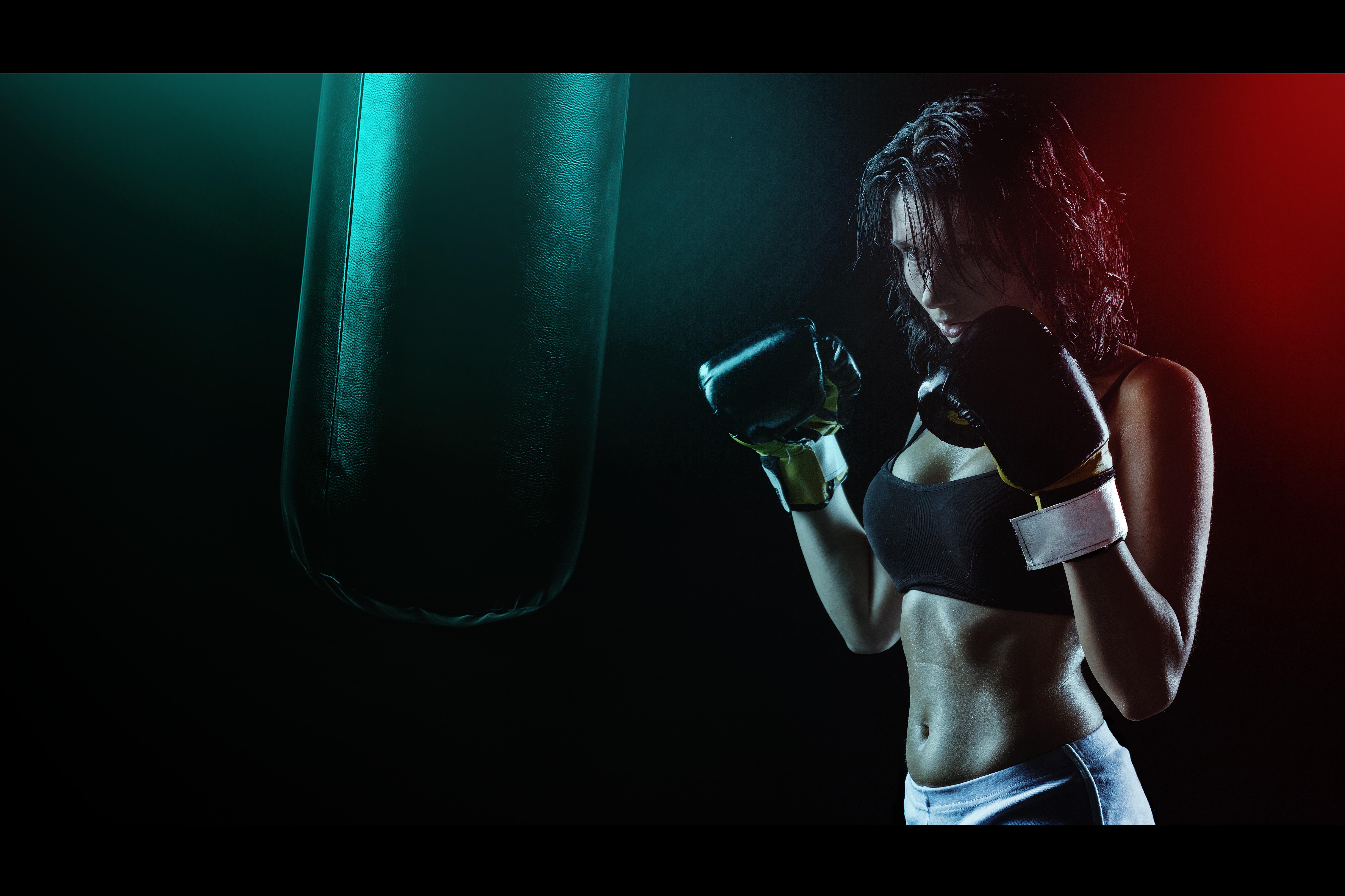девушка боксерка бесплатно