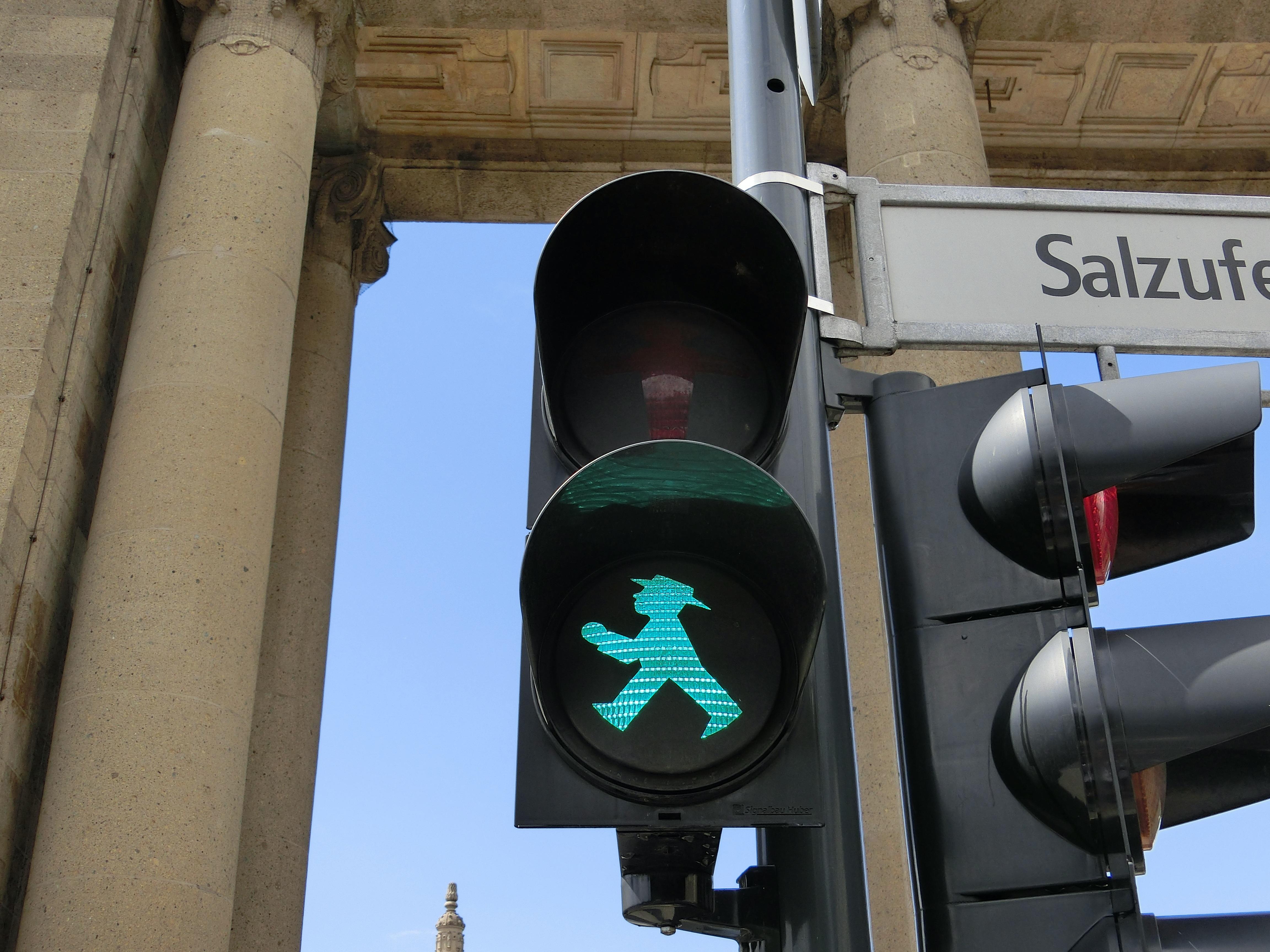 Beleuchtung Berlin | Kostenlose Foto Licht Grun Blau Beleuchtung Ampel Kunst