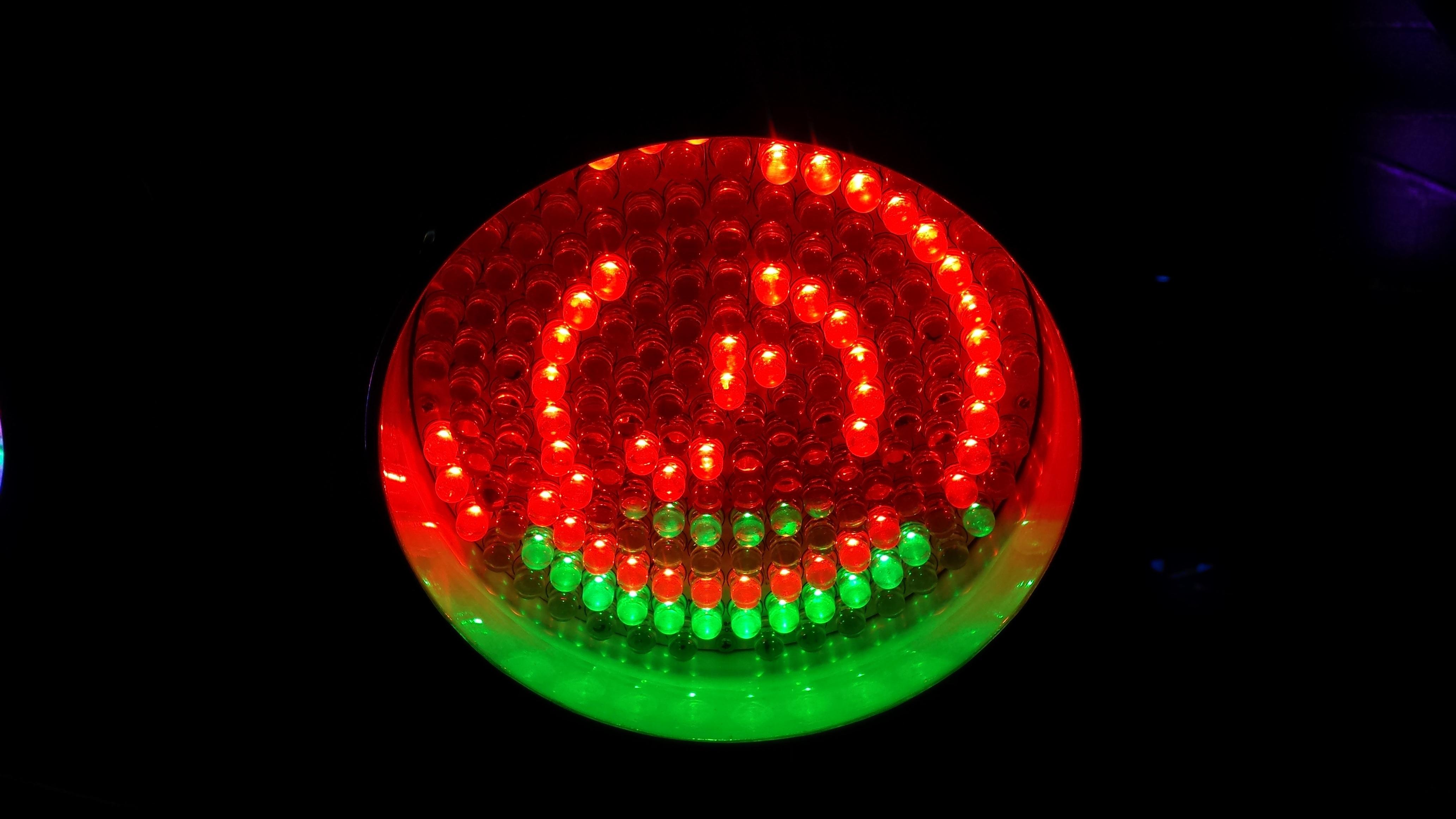 Kostenlose foto grn rot farbe lampe bunt schlieen licht grn rot farbe lampe bunt schlieen beleuchtung kreis energie kreis festival birnen party kugel strahlen parisarafo Image collections