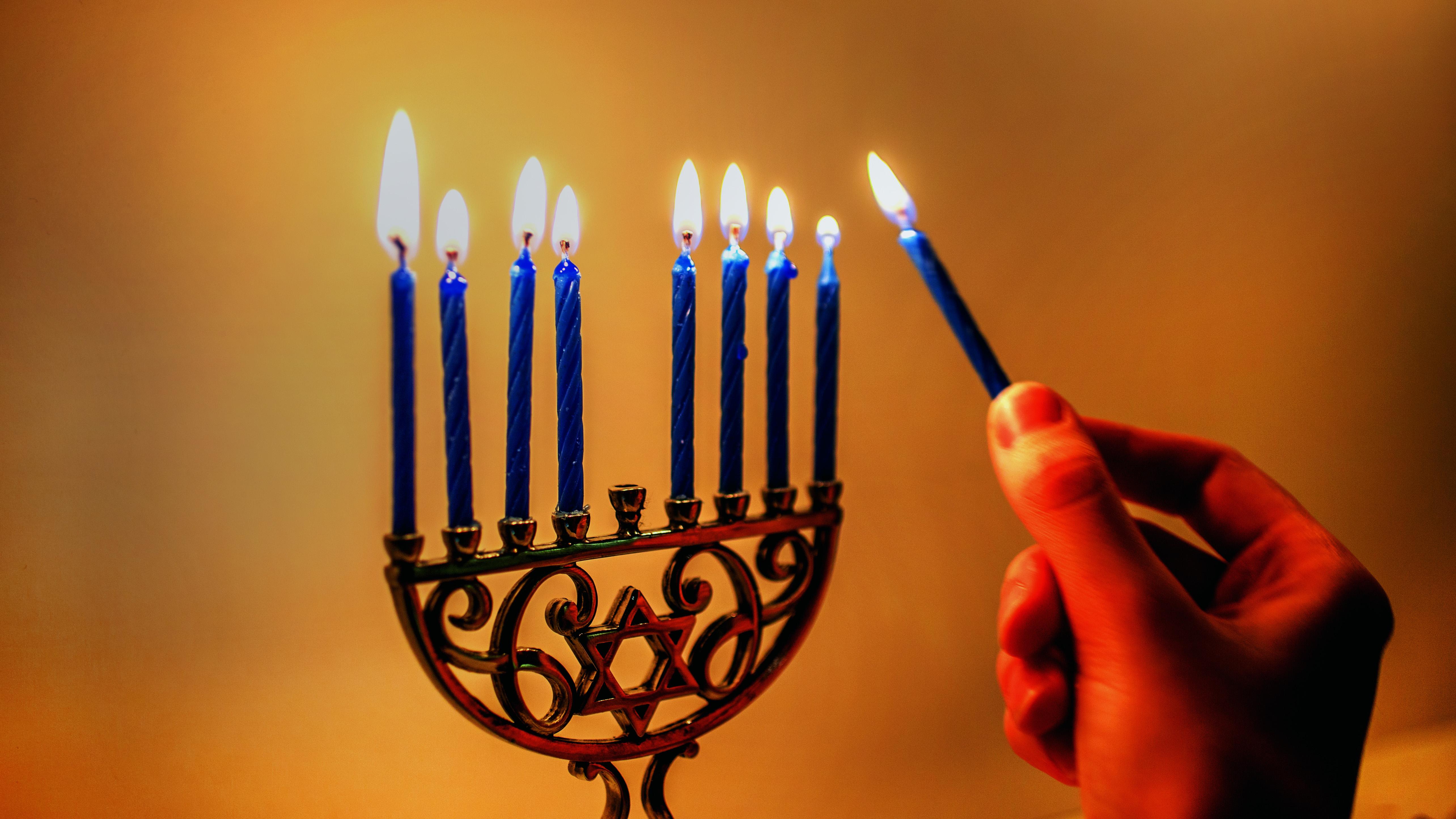 light holiday candle lighting chanukah hanukkah candelabrum macro photography menorah hanukkiyah & Free Images : light holiday candle lighting chanukah hanukkah ...