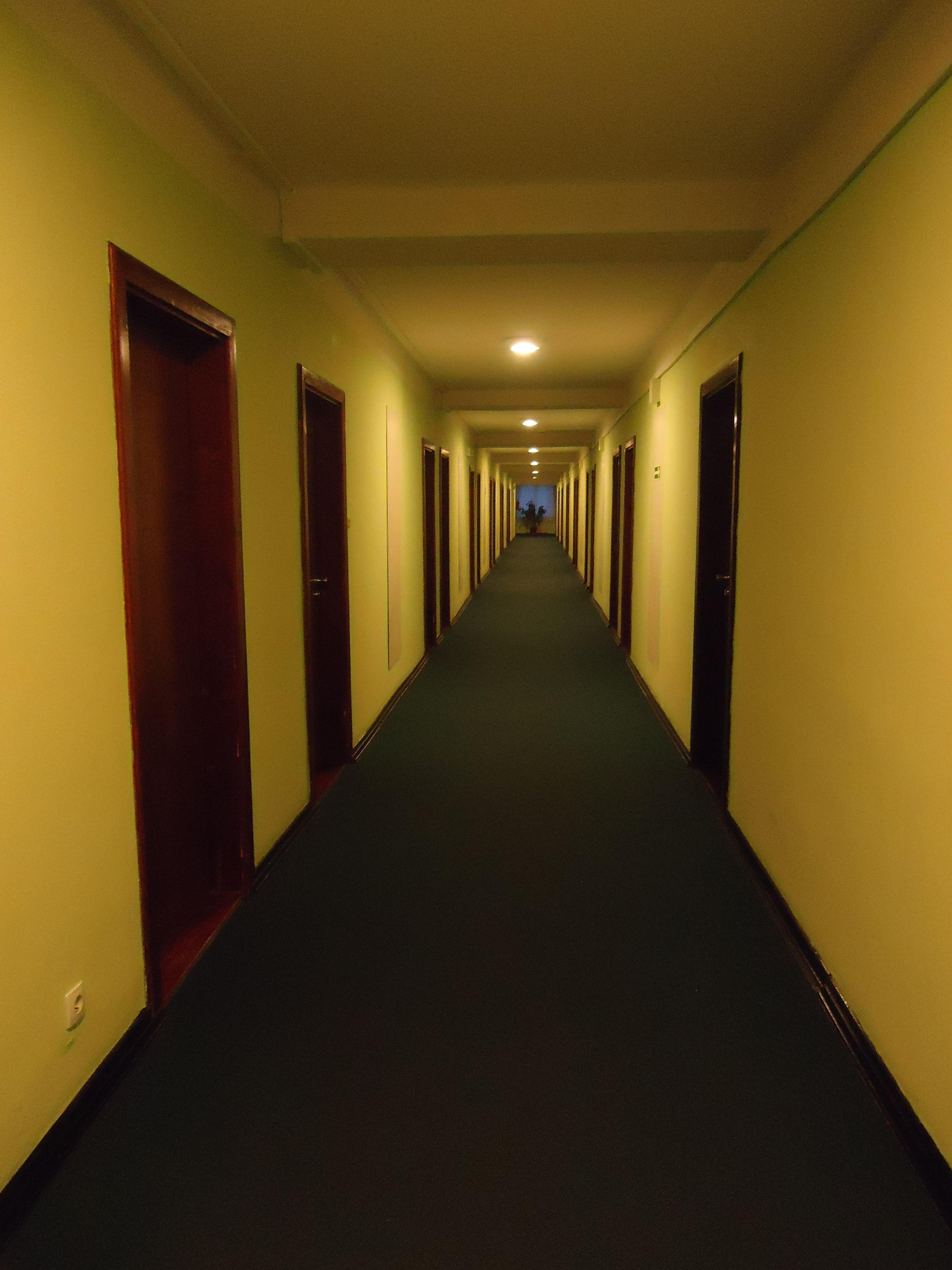 Kostenlose foto : Licht, Haus, Stock, Perspektive, Zuhause, Mauer ...