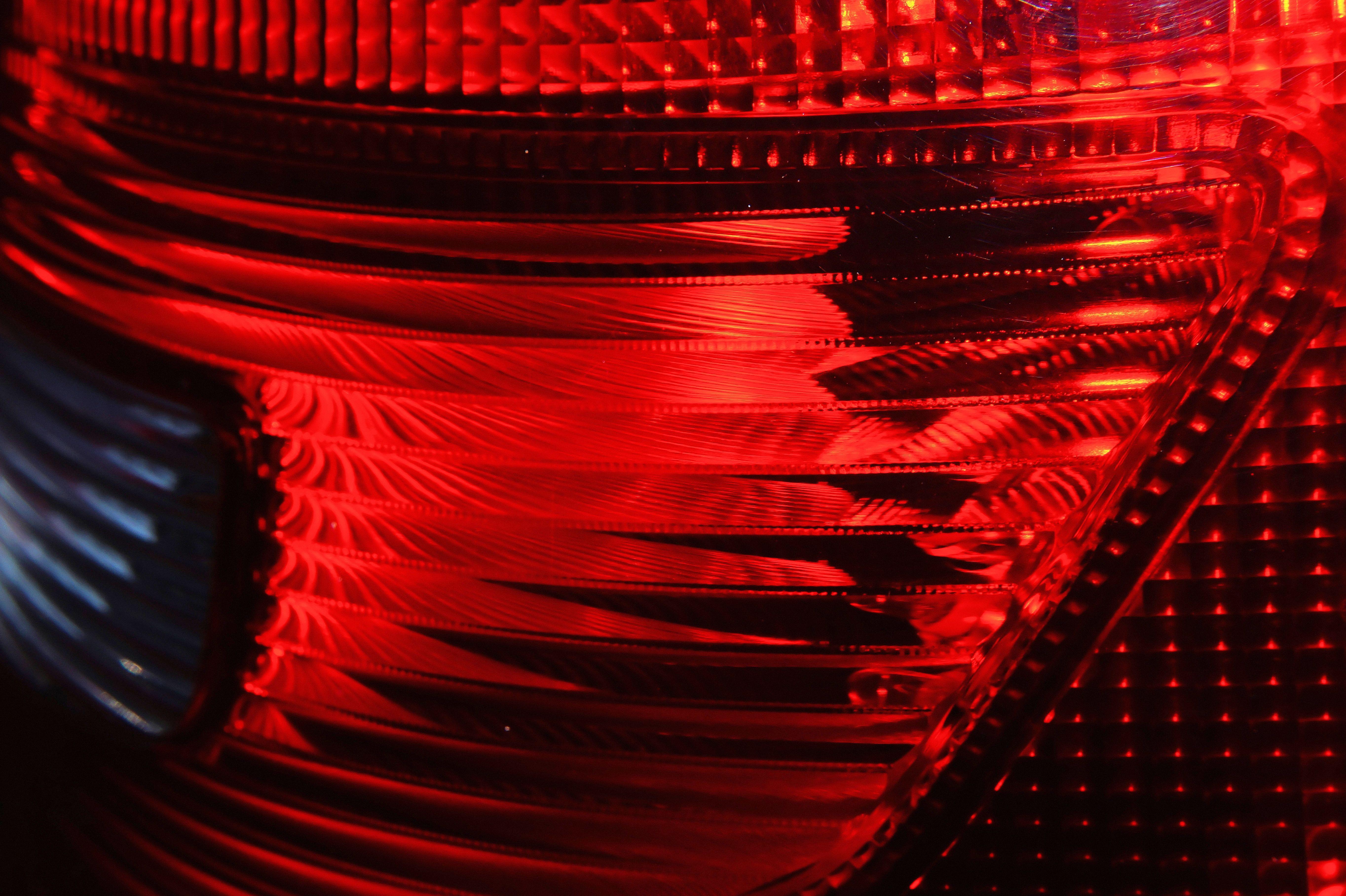 Rood Licht Lamp : Gratis afbeeldingen licht lijn rood kleur skoda reflector
